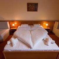 Szinbád Hotel