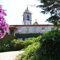 Holiday home Calcada do Giestal </h2 <div class=sr-card__item sr-card__item--badges <div class= sr-card__badge sr-card__badge--class u-margin:0  data-ga-track=click data-ga-category=SR Card Click data-ga-action=Hotel rating data-ga-label=book_window:  day(s)  <span class=bh-quality-bars bh-quality-bars--small   <svg class=bk-icon -iconset-square_rating fill=#FEBB02 height=12 width=12<use xlink:href=#icon-iconset-square_rating</use</svg<svg class=bk-icon -iconset-square_rating fill=#FEBB02 height=12 width=12<use xlink:href=#icon-iconset-square_rating</use</svg<svg class=bk-icon -iconset-square_rating fill=#FEBB02 height=12 width=12<use xlink:href=#icon-iconset-square_rating</use</svg </span </div   <div style=padding: 2px 0    </div </div <div class=sr-card__item   data-ga-track=click data-ga-category=SR Card Click data-ga-action=Hotel location data-ga-label=book_window:  day(s)  <svg alt=Localização da acomodação class=bk-icon -iconset-geo_pin sr_svg__card_icon height=12 width=12<use xlink:href=#icon-iconset-geo_pin</use</svg <div class= sr-card__item__content   <strong class='sr-card__item--strong'Barcelos</strong • <span 1,3 km </span  do(a) Aborim </div </div </div </div </a </li <div data-et-view=cJaQWPWNEQEDSVWe:1</div <li id=hotel_3203904 data-is-in-favourites=0 data-hotel-id='3203904' class=sr-card sr-card--arrow bui-card bui-u-bleed@small js-sr-card m_sr_info_icons card-halved card-halved--active   <a href=/hotel/pt/holiday-home-r-do-giestal.pt-br.html target=_blank class=sr-card__row bui-card__content data-et-click=customGoal: aria-label=  Holiday home R. do Giestal,      <div class=sr-card__image js-sr_simple_card_hotel_image has-debolded-deal js-lazy-image sr-card__image--lazy data-src=https://q-cf.bstatic.com/xdata/images/hotel/square200/133392332.jpg?k=e3357a8db45bd4aaf069f572053756bcc7114bf1b05a13ebb5d7d49a36c70b43&o=&s=1,https://r-cf.bstatic.com/xdata/images/hotel/max1024x768/133392332.jpg?k=ad29965c41fc25b0f653458e16b17a0ac42ba2e04e3a4d83809964179f73