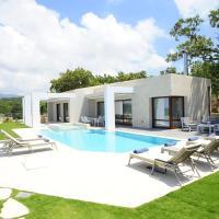 Oak Tree Villa