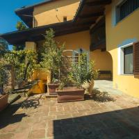 Three-Bedroom Apartment in Cavagnolo </h2 </a <div class=sr-card__item sr-card__item--badges <div class= sr-card__badge sr-card__badge--class u-margin:0  data-ga-track=click data-ga-category=SR Card Click data-ga-action=Hotel rating data-ga-label=book_window:  day(s)  <i class= bk-icon-wrapper bk-icon-stars star_track  title=3 stelle  <svg aria-hidden=true class=bk-icon -sprite-ratings_stars_3 focusable=false height=10 width=32<use xlink:href=#icon-sprite-ratings_stars_3</use</svg                     <span class=invisible_spoken3 stelle</span </i </div   <div style=padding: 2px 0    </div </div <div class=sr-card__item   data-ga-track=click data-ga-category=SR Card Click data-ga-action=Hotel location data-ga-label=book_window:  day(s)  <svg alt=Posizione della struttura class=bk-icon -iconset-geo_pin sr_svg__card_icon height=12 width=12<use xlink:href=#icon-iconset-geo_pin</use</svg <div class= sr-card__item__content   <strong class='sr-card__item--strong'Cavagnolo</strong • a  <span 3,4 km </span  da Verrua Savoia </div </div </div </div </div </li <div data-et-view=cJaQWPWNEQEDSVWe:1</div <li id=hotel_1245802 data-is-in-favourites=0 data-hotel-id='1245802' class=sr-card sr-card--arrow bui-card bui-u-bleed@small js-sr-card m_sr_info_icons card-halved card-halved--active   <div data-href=/hotel/it/il-tiglio-cavagnolo.it.html onclick=window.open(this.getAttribute('data-href')); target=_blank class=sr-card__row bui-card__content data-et-click=  <div class=sr-card__image js-sr_simple_card_hotel_image has-debolded-deal js-lazy-image sr-card__image--lazy data-src=https://r-cf.bstatic.com/xdata/images/hotel/square200/63305398.jpg?k=db1a0b2d170121fa8ef5c21c3093cea03d04f1989a6ddf53d911868ad1e5726e&o=&s=1,https://q-cf.bstatic.com/xdata/images/hotel/max1024x768/63305398.jpg?k=755a58d83ab61bf37d8fb76ef8f1af47f47d019cb3bb6dd206afca9426de2747&o=&s=1  <div class=sr-card__image-inner css-loading-hidden </div <noscript <div class=sr-card__image--nojs style=background-image: url('ht
