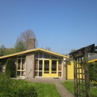 Neat bungalow with garden and terrace, only 19km. from Hoorn