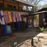 Pura Vida MINI Hostel - Tamarindo Costa Rica