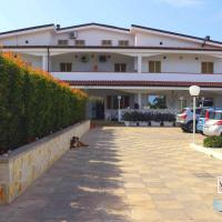 Sud Beach Hotel </h2 </a <div class=sr-card__item sr-card__item--badges <div class= sr-card__badge sr-card__badge--class u-margin:0  data-ga-track=click data-ga-category=SR Card Click data-ga-action=Hotel rating data-ga-label=book_window:  day(s)  <i class= bk-icon-wrapper bk-icon-stars star_track  title=3 stelle  <svg aria-hidden=true class=bk-icon -sprite-ratings_stars_3 focusable=false height=10 width=32<use xlink:href=#icon-sprite-ratings_stars_3</use</svg                     <span class=invisible_spoken3 stelle</span </i </div   <div class=sr-card__item__review-score style=padding: 8px 0  <div class=bui-review-score c-score bui-review-score--inline bui-review-score--smaller <div class=bui-review-score__badge aria-label=Punteggio di 7,6 7,6 </div <div class=bui-review-score__content <div class=bui-review-score__title Buono </div </div </div   </div </div <div class=sr-card__item   data-ga-track=click data-ga-category=SR Card Click data-ga-action=Hotel location data-ga-label=book_window:  day(s)  <svg aria-hidden=true class=bk-icon -iconset-geo_pin sr_svg__card_icon focusable=false height=12 role=presentation width=12<use xlink:href=#icon-iconset-geo_pin</use</svg <div class= sr-card__item__content   <strong class='sr-card__item--strong'Pulsano</strong • a  <span 14 km </span  da San Vito </div </div </div </div </div </li <li id=hotel_561772 data-is-in-favourites=0 data-hotel-id='561772' class=sr-card sr-card--arrow bui-card bui-u-bleed@small js-sr-card m_sr_info_icons card-halved card-halved--active   <div data-href=/hotel/it/la-villa-della-meda.it.html onclick=window.open(this.getAttribute('data-href')); target=_blank class=sr-card__row bui-card__content data-et-click= data-et-view=  <div class=sr-card__image js-sr_simple_card_hotel_image has-debolded-deal js-lazy-image sr-card__image--lazy data-src=https://q-cf.bstatic.com/xdata/images/hotel/square200/50209539.jpg?k=2debb0f783415a80107911594c5d0214e71fbdf19a9eecdc8fb57704951f178b&o=&s=1,https://q-cf.bstatic.c
