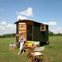 Snuggly Tin Shepherd Hut