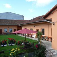 Villa Gracia Patince </h2 </a <div class=sr-card__item sr-card__item--badges <div class= sr-card__badge sr-card__badge--class u-margin:0  data-ga-track=click data-ga-category=SR Card Click data-ga-action=Hotel rating data-ga-label=book_window:  day(s)  <span class=bh-quality-bars bh-quality-bars--small   <svg class=bk-icon -iconset-square_rating fill=#FEBB02 height=12 width=12<use xlink:href=#icon-iconset-square_rating</use</svg<svg class=bk-icon -iconset-square_rating fill=#FEBB02 height=12 width=12<use xlink:href=#icon-iconset-square_rating</use</svg<svg class=bk-icon -iconset-square_rating fill=#FEBB02 height=12 width=12<use xlink:href=#icon-iconset-square_rating</use</svg </span </div   <div style=padding: 2px 0  <div class=bui-review-score c-score bui-review-score--smaller <div class=bui-review-score__badge aria-label=Ohodnotené na 8,9 8,9 </div <div class=bui-review-score__content <div class=bui-review-score__title Vynikajúce </div </div </div   </div </div <div class=sr-card__item   data-ga-track=click data-ga-category=SR Card Click data-ga-action=Hotel location data-ga-label=book_window:  day(s)  <svg alt=Poloha ubytovania class=bk-icon -iconset-geo_pin sr_svg__card_icon height=12 width=12<use xlink:href=#icon-iconset-geo_pin</use</svg <div class= sr-card__item__content   <strong class='sr-card__item--strong'Patince</strong • <span 12 km </span  od Búč </div </div </div </div </div </li <div data-et-view=cJaQWPWNEQEDSVWe:1</div <li id=hotel_1076329 data-is-in-favourites=0 data-hotel-id='1076329' class=sr-card sr-card--arrow bui-card bui-u-bleed@small js-sr-card m_sr_info_icons card-halved card-halved--active   <div data-href=/hotel/sk/apartman-karolina-patince.sk.html onclick=window.open(this.getAttribute('data-href')); target=_blank class=sr-card__row bui-card__content data-et-click=  <div class=sr-card__image js-sr_simple_card_hotel_image has-debolded-deal js-lazy-image sr-card__image--lazy data-src=https://q-cf.bstatic.com/xdata/images/hotel/square200/316