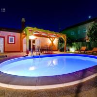 Holiday home Orange with heated pool and parking