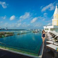 "Fragrant Nature Kochi - ""A Classified Five Star Hotel"", hotel in Cochin"