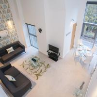 Swindon, 1 Bedroom, 2 singles or 1 King, SN1