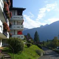 Sonniges Appartement mit Balkon und Bergblick