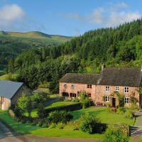 Large Farmhouse in Brecon with Garden