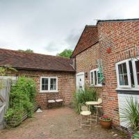 Charming Holiday Home in Goudhurst Kent with Parking