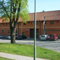 Penzion V Maštali, hotel poblíž Letiště Václava Havla Praha - PRG, Kněževes
