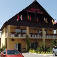 Motel Moara Veche </h2 </a <div class=sr-card__item sr-card__item--badges <div class= sr-card__badge sr-card__badge--class u-margin:0  data-ga-track=click data-ga-category=SR Card Click data-ga-action=Hotel rating data-ga-label=book_window:  day(s)  <i class= bk-icon-wrapper bk-icon-stars star_track  title=3 stele  <svg aria-hidden=true class=bk-icon -sprite-ratings_stars_3 focusable=false height=10 width=32<use xlink:href=#icon-sprite-ratings_stars_3</use</svg                     <span class=invisible_spoken3 stele</span </i </div   <div class=sr-card__item__review-score style=padding: 8px 0  <div class=bui-review-score c-score bui-review-score--inline bui-review-score--smaller <div class=bui-review-score__badge aria-label=Scor: 7,4  7,4 </div <div class=bui-review-score__content <div class=bui-review-score__title Bine </div </div </div   </div </div <div class=sr-card__item   data-ga-track=click data-ga-category=SR Card Click data-ga-action=Hotel location data-ga-label=book_window:  day(s)  <svg aria-hidden=true class=bk-icon -iconset-geo_pin sr_svg__card_icon focusable=false height=12 role=presentation width=12<use xlink:href=#icon-iconset-geo_pin</use</svg <div class= sr-card__item__content   Săcălăşeni • <span 750 m </span  de centru </div </div </div </div </div </li <li class=bui-spacer--medium <div id=ski-ufi-compset</div <svg class=bk-icon -iconset-city height=128 style=display:none; width=128 viewBox=0 0 128 128 role=presentation aria-hidden=true focusable=false<path d=M24 88h8v16h-8zm0-16h8V56h-8zm32 32h8V88h-8zm0-32h8V56h-8zm0-32h8V24h-8zm64 16v60a4 4 0 0 1-4 4H12a4 4 0 0 1-4-4V44a4 4 0 0 1 4-4h28V12a4 4 0 0 1 4-4h32a4 4 0 0 1 4 4v58.3l5.2-5.1a4 4 0 0 1 5.6 0l5.2 5.1V56a4 4 0 0 1 .3-1.5l8-20a4 4 0 0 1 7.4 0l8 20a4 4 0 0 1 .3 1.5zM16 112h24V48H16zm32 0h24V16H48v96zm32 0h16V81.7l-8-8-8 8zm32-55.2l-4-10-4 10V112h8z/</svg <svg class=bk-icon -streamline-arrow_nav_left height=24 style=display:none; width=24 viewBox=0 0 24 24 role=presentation aria-hidden=true focusable=false<path d=M14.55 18a.74.74 0 0 1-.53-.22l-5-5A1.08 1.08 0 0 1 8.7 12a1.1 1.1 0 0 1 .3-.78l5-5a.75.75 0 0 1 1.06 0 .74.74 0 0 1 0 1.06L10.36 12l4.72 4.72a.74.74 0 0 1 0 1.06.73.73 0 0 1-.53.22zm-4.47-5.72zm0-.57z/</svg <svg class=bk-icon -streamline-arrow_nav_right height=24 style=display:none; width=24 viewBox=0 0 24 24 role=presentation aria-hidden=true focusable=false<path d=M9.45 6c.2 0 .39.078.53.22l5 5c.208.206.323.487.32.78a1.1 1.1 0 0 1-.32.78l-5 5a.75.75 0 0 1-1.06 0 .74.74 0 0 1 0-1.06L13.64 12 8.92 7.28a.74.74 0 0 1 0-1.06.73.73 0 0 1 .53-.22zm4.47 5.72zm0 .57z/</svg <div class=bui-alert bui-alert--info bui-u-bleed@small role=status data-e2e=auto_extension_banner data-et-view=cJfYZRUWJOLFReONWPHDDWe:1  <span class=icon--hint bui-alert__icon role=presentation <svg class=bk-icon -iconset-info_sign height=24 role=presentation width=24<use xlink:href=#icon-iconset-info_sign</use</svg </span <div class=bui-alert__description <p class=bui-alert__text Nicio proprietate disponibilă în Săcălăşeni! <spanSfat:</span încercați aceste proprietăți din apropiere… </p </div </div </li <li id=hotel_2276557 data-is-in-favourites=0 data-hotel-id='2276557' class=sr-card sr-card--arrow bui-card bui-u-bleed@small js-sr-card m_sr_info_icons card-halved card-halved--active   <div data-href=/hotel/ro/hr-doua-veverite.ro.html onclick=window.open(this.getAttribute('data-href')); target=_blank class=sr-card__row bui-card__content data-et-click= data-et-view=  <div class=sr-card__image js-sr_simple_card_hotel_image has-debolded-deal js-lazy-image sr-card__image--lazy data-src=https://r-cf.bstatic.com/xdata/images/hotel/square200/161638466.jpg?k=02386b33658761f687b37fc228e8366b8c60f171173ce4fee8acef0a1c4e387d&o=&s=1,https://q-cf.bstatic.com/xdata/images/hotel/max1024x768/161638466.jpg?k=612c439c5cb155da5f417a7274fdc2acb0af1930bad5732797d6a3d47ad59677&o=&s=1  <div class=sr-card__image-inner css-loading-hidden </div <noscript <div class=sr-card__image--nojs style=background-image: url('https://r-cf.bstatic.com/xdata/images/hotel/square200/161638466.jpg?k=02386b33658761f687b37fc228e8366b8c60f171173ce4fee8acef0a1c4e387d&o=&s=1')</div </noscript </div <div class=sr-card__details data-et-click=customGoal:NAREFGCQABaOSJIaPdMYTQDZBaDMWPHDDWe:2   <div class=sr-card_details__inner <a href=/hotel/ro/hr-doua-veverite.ro.html onclick=event.stopPropagation(); target=_blank <h2 class=sr-card__name u-margin:0 u-padding:0 data-ga-track=click data-ga-category=SR Card Click data-ga-action=Hotel name data-ga-label=book_window:  day(s)  Hotel Două Veveriţe </h2 </a <div class=sr-card__item sr-card__item--badges <div class=sr-card__item__review-score style=padding: 8px 0  <div class=bui-review-score c-score bui-review-score--inline bui-review-score--smaller <div class=bui-review-score__badge aria-label=Scor: 8,9  8,9 </div <div class=bui-review-score__content <div class=bui-review-score__title Fabulos </div </div </div   </div </div <div class=sr-card__item   data-ga-track=click data-ga-category=SR Card Click data-ga-action=Hotel location data-ga-label=book_window:  day(s)  <svg aria-hidden=true class=bk-icon -iconset-geo_pin sr_svg__card_icon focusable=false height=12 role=presentation width=12<use xlink:href=#icon-iconset-geo_pin</use</svg <div class= sr-card__item__content   <span data-et-view=HZUGOQQBSXVVFEfVafFRWe:1 HZUGOQQBSXVVFEfVafFRWe:6</span <strong class='sr-card__item--strong' Lăpuşel </strong • <span 8 km </span  de Săcălăşeni </div </div <div data-et-view= OLBdJbGNNMMfPESHbfALbLEHFO:1  </div </div </div </div </li <li id=hotel_1846533 data-is-in-favourites=0 data-hotel-id='1846533' class=sr-card sr-card--arrow bui-card bui-u-bleed@small js-sr-card m_sr_info_icons card-halved card-halved--active   <div data-href=/hotel/ro/castel-transilvania.ro.html onclick=window.open(this.getAttribute('data-href')); target=_blank class=sr-card__row bui-card__content data-et-click= data-et-view=  <div class=sr-card__image js-sr_simple_card_hotel_image has-debolded-deal js-lazy-image sr-card__image--lazy data-src=https://r-cf.bstatic.com/xdata/images/hotel/square200/135129211.jpg?k=8e9307df330ab1c84e575334fd799e7c3b02e77de8a3597b3c42adcfc935b65a&o=&s=1,https://r-cf.bstatic.com/xdata/images/hotel/max1024x768/135129211.jpg?k=fdc52bf13469e97e7e073682fa13e16cd03d4cc356db5d24305e78aa7ed2f372&o=&s=1  <div class=sr-card__image-inner css-loading-hidden </div <noscript <div class=sr-card__image--nojs style=background-image: url('https://r-cf.bstatic.com/xdata/images/hotel/square200/135129211.jpg?k=8e9307df330ab1c84e575334fd799e7c3b02e77de8a3597b3c42adcfc935b65a&o=&s=1')</div </noscript </div <div class=sr-card__details data-et-click=customGoal:NAREFGCQABaOSJIaPdMYTQDZBaDMWPHDDWe:2   <div class=sr-card_details__inner <a href=/hotel/ro/castel-transilvania.ro.html onclick=event.stopPropagation(); target=_blank <h2 class=sr-card__name u-margin:0 u-padding:0 data-ga-track=click data-ga-category=SR Card Click data-ga-action=Hotel name data-ga-label=book_window:  day(s)  Castel Transilvania </h2 </a <div class=sr-card__item sr-card__item--badges <div class= sr-card__badge sr-card__badge--class u-margin:0  data-ga-track=click data-ga-category=SR Card Click data-ga-action=Hotel rating data-ga-label=book_window:  day(s)  <i class= bk-icon-wrapper bk-icon-stars star_track  title=4 stele  <svg aria-hidden=true class=bk-icon -sprite-ratings_stars_4 focusable=false height=10 width=43<use xlink:href=#icon-sprite-ratings_stars_4</use</svg                     <span class=invisible_spoken4 stele</span </i </div   <div class=sr-card__item__review-score style=padding: 8px 0  <div class=bui-review-score c-score bui-review-score--inline bui-review-score--smaller <div class=bui-review-score__badge aria-label=Scor: 9,5  9,5 </div <div class=bui-review-score__content <div class=bui-review-score__title Excepţional </div </div </div   </div </div <div class=sr-card__item   data-ga-track=click data-ga-category=SR Card Click data-ga-action=Hotel location data-ga-label=book_window:  day(s)  <svg aria-hidden=true class=bk-icon -iconset-geo_pin sr_svg__card_icon focusable=false height=12 role=presentation width=12<use xlink:href=#icon-iconset-geo_pin</use</svg <div class= sr-card__item__content   <span data-et-view=HZUGOQQBSXVVFEfVafFRWe:1 HZUGOQQBSXVVFEfVafFRWe:6</span <strong class='sr-card__item--strong' Baia Mare </strong • <span 6 km </span  de Săcălăşeni </div </div <div data-et-view= OLBdJbGNNMMfPESHbfALbLEHFO:1  OLBdJbGNNMMfPESHbfALbLEHFO:2  </div </div </div </div </li <li id=hotel_1572671 data-is-in-favourites=0 data-hotel-id='1572671' class=sr-card sr-card--arrow bui-card bui-u-bleed@small js-sr-card m_sr_info_icons card-halved card-halved--active   <div data-href=/hotel/ro/pensiunea-iona.ro.html onclick=window.open(this.getAttribute('data-href')); target=_blank class=sr-card__row bui-card__content data-et-click= data-et-view=  <div class=sr-card__image js-sr_simple_card_hotel_image has-debolded-deal js-lazy-image sr-card__image--lazy data-src=https://q-cf.bstatic.com/xdata/images/hotel/square200/215010350.jpg?k=feb1559544bbdcbeb0a208a277022b6edecabae3c946989e0e1a597735f971ef&o=&s=1,https://r-cf.bstatic.com/xdata/images/hotel/max1024x768/215010350.jpg?k=7cfcad518b28e2a44fde9693081a9e118e4ca04534ffa0b8e71a800d2fd4b844&o=&s=1  <div class=sr-card__image-inner css-loading-hidden </div <noscript <div class=sr-card__image--nojs style=background-image: url('https://q-cf.bstatic.com/xdata/images/hotel/square200/215010350.jpg?k=feb1559544bbdcbeb0a208a277022b6edecabae3c946989e0e1a597735f971ef&o=&s=1')</div </noscript </div <div class=sr-card__details data-et-click=customGoal:NAREFGCQABaOSJIaPdMYTQDZBaDMWPHDDWe:2   <div class=sr-card_details__inner <a href=/hotel/ro/pensiunea-iona.ro.html onclick=event.stopPropagation(); target=_blank <h2 class=sr-card__name u-margin:0 u-padding:0 data-ga-track=click data-ga-category=SR Card Click data-ga-action=Hotel name data-ga-label=book_window:  day(s)  Pensiunea Iona </h2 </a <div class=sr-card__item sr-card__item--badges <div class=sr-card__item__review-score style=padding: 8px 0  <div class=bui-review-score c-score bui-review-score--inline bui-review-score--smaller <div class=bui-review-score__badge aria-label=Scor: 8,6  8,6 </div <div class=bui-review-score__content <div class=bui-review-score__title Fabulos </div </div </div   </div </div <div class=sr-card__item   data-ga-track=click data-ga-category=SR Card Click data-ga-action=Hotel location data-ga-label=book_window:  day(s)  <svg aria-hidden=true class=bk-icon -iconset-geo_pin sr_svg__card_icon focusable=false height=12 role=presentation width=12<use xlink:href=#icon-iconset-geo_pin</use</svg <div class= sr-card__item__content   <span data-et-view=HZUGOQQBSXVVFEfVafFRWe:1 HZUGOQQBSXVVFEfVafFRWe:6</span <strong class='sr-card__item--strong' Baia Mare </strong • <span 7 km </span  de Săcălăşeni </div </div <div data-et-view= OLBdJbGNNMMfPESHbfALbLEHFO:1  </div </div </div </div </li <li id=hotel_1915953 data-is-in-favourites=0 data-hotel-id='1915953' class=sr-card sr-card--arrow bui-card bui-u-bleed@small js-sr-card m_sr_info_icons card-halved card-halved--active   <div data-href=/hotel/ro/camelia-39-s-cozy-place.ro.html onclick=window.open(this.getAttribute('data-href')); target=_blank class=sr-card__row bui-card__content data-et-click= data-et-view=  <div class=sr-card__image js-sr_simple_card_hotel_image has-debolded-deal js-lazy-image sr-card__image--lazy data-src=https://r-cf.bstatic.com/xdata/images/hotel/square200/119649664.jpg?k=38af76236bf162ac87c836776a3f94fd9f3d87792c5a8f087861b43dcba43982&o=&s=1,https://r-cf.bstatic.com/xdata/images/hotel/max1024x768/119649664.jpg?k=0cdd19800561f9185db0dafe8c8b8f286d7e072359a4177facbebb9f480a435a&o=&s=1  <div class=sr-card__image-inner css-loading-hidden </div <noscript <div class=sr-card__image--nojs style=background-image: url('https://r-cf.bstatic.com/xdata/images/hotel/square200/119649664.jpg?k=38af76236bf162ac87c836776a3f94fd9f3d87792c5a8f087861b43dcba43982&o=&s=1')</div </noscript </div <div class=sr-card__details data-et-click=customGoal:NAREFGCQABaOSJIaPdMYTQDZBaDMWPHDDWe:2   <div class=sr-card_details__inner <a href=/hotel/ro/camelia-39-s-cozy-place.ro.html onclick=event.stopPropagation(); target=_blank <h2 class=sr-card__name u-margin:0 u-padding:0 data-ga-track=click data-ga-category=SR Card Click data-ga-action=Hotel name data-ga-label=book_window:  day(s)  Camelia's cozy place </h2 </a <div class=sr-card__item sr-card__item--badges <div class=sr-card__item__review-score style=padding: 8px 0  <div class=bui-review-score c-score bui-review-score--inline bui-review-score--smaller <div class=bui-review-score__badge aria-label=Scor: 9,6  9,6 </div <div class=bui-review-score__content <div class=bui-review-score__title Excepţional </div </div </div   </div </div <div class=sr-card__item   data-ga-track=click data-ga-category=SR Card Click data-ga-action=Hotel location data-ga-label=book_window:  day(s)  <svg aria-hidden=true class=bk-icon -iconset-geo_pin sr_svg__card_icon focusable=false height=12 role=presentation width=12<use xlink:href=#icon-iconset-geo_pin</use</svg <div class= sr-card__item__content   <span data-et-view=HZUGOQQBSXVVFEfVafFRWe:1 HZUGOQQBSXVVFEfVafFRWe:6</span <strong class='sr-card__item--strong' Baia Mare </strong • <span 7 km </span  de Săcălăşeni </div </div <div data-et-view= OLBdJbGNNMMfPESHbfALbLEHFO:1  OLBdJbGNNMMfPESHbfALbLEHFO:2  </div </div </div </div </li <li id=hotel_433478 data-is-in-favourites=0 data-hotel-id='433478' class=sr-card sr-card--arrow bui-card bui-u-bleed@small js-sr-card m_sr_info_icons card-halved card-halved--active   <div data-href=/hotel/ro/motel-star-centru.ro.html onclick=window.open(this.getAttribute('data-href')); target=_blank class=sr-card__row bui-card__content data-et-click= data-et-view=  <div class=sr-card__image js-sr_simple_card_hotel_image has-debolded-deal js-lazy-image sr-card__image--lazy data-src=https://q-cf.bstatic.com/xdata/images/hotel/square200/78285814.jpg?k=0bc5d500f0bbac448dae7852a9bc3340cd1d1cd12c7c7c4128ade82456a32fc1&o=&s=1,https://r-cf.bstatic.com/xdata/images/hotel/max1024x768/78285814.jpg?k=a9cb362310dbe0369ffbca0dc7bcbc59cdd09307e823d9952c79b6d2865b44f0&o=&s=1  <div class=sr-card__image-inner css-loading-hidden </div <noscript <div class=sr-card__image--nojs style=background-image: url('https://q-cf.bstatic.com/xdata/images/hotel/square200/78285814.jpg?k=0bc5d500f0bbac448dae7852a9bc3340cd1d1cd12c7c7c4128ade82456a32fc1&o=&s=1')</div </noscript </div <div class=sr-card__details data-et-click=customGoal:NAREFGCQABaOSJIaPdMYTQDZBaDMWPHDDWe:2   <div class=sr-card_details__inner <a href=/hotel/ro/motel-star-centru.ro.html onclick=event.stopPropagation(); target=_blank <h2 class=sr-card__name u-margin:0 u-padding:0 data-ga-track=click data-ga-category=SR Card Click data-ga-action=Hotel name data-ga-label=book_window:  day(s)  Motel Carmen </h2 </a <div class=sr-card__item sr-card__item--badges <div class= sr-card__badge sr-card__badge--class u-margin:0  data-ga-track=click data-ga-category=SR Card Click data-ga-action=Hotel rating data-ga-label=book_window:  day(s)  <i class= bk-icon-wrapper bk-icon-stars star_track  title=3 stele  <svg aria-hidden=true class=bk-icon -sprite-ratings_stars_3 focusable=false height=10 width=32<use xlink:href=#icon-sprite-ratings_stars_3</use</svg                     <span class=invisible_spoken3 stele</span </i </div   <div class=sr-card__item__review-score style=padding: 8px 0  <div class=bui-review-score c-score bui-review-score--inline bui-review-score--smaller <div class=bui-review-score__badge aria-label=Scor: 7,5  7,5 </div <div class=bui-review-score__content <div class=bui-review-score__title Bine </div </div </div   </div </div <div class=sr-card__item   data-ga-track=click data-ga-category=SR Card Click data-ga-action=Hotel location data-ga-label=book_window:  day(s)  <svg aria-hidden=true class=bk-icon -iconset-geo_pin sr_svg__card_icon focusable=false height=12 role=presentation width=12<use xlink:href=#icon-iconset-geo_pin</use</svg <div class= sr-card__item__content   <span data-et-view=HZUGOQQBSXVVFEfVafFRWe:1 HZUGOQQBSXVVFEfVafFRWe:6</span <strong class='sr-card__item--strong' Baia Mare </strong • <span 6 km </span  de Săcălăşeni </div </div </div </div </div </li <li id=hotel_244183 data-is-in-favourites=0 data-hotel-id='244183' class=sr-card sr-card--arrow bui-card bui-u-bleed@small js-sr-card m_sr_info_icons card-halved card-halved--active   <div data-href=/hotel/ro/best-western-eurohotel.ro.html onclick=window.open(this.getAttribute('data-href')); target=_blank class=sr-card__row bui-card__content data-et-click= data-et-view=  <div class=sr-card__image js-sr_simple_card_hotel_image has-debolded-deal js-lazy-image sr-card__image--lazy data-src=https://r-cf.bstatic.com/xdata/images/hotel/square200/153689231.jpg?k=9a03e418415f3d8ec439967e1ffcace2cb1aaf1465c070814c21a2dd718f8cd7&o=&s=1,https://q-cf.bstatic.com/xdata/images/hotel/max1024x768/153689231.jpg?k=22f6a98c0271a3986c837b77d3e43090f01affbc9c297de5d2b7f2ac2bf15d92&o=&s=1  <div class=sr-card__image-inner css-loading-hidden </div <noscript <div class=sr-card__image--nojs style=background-image: url('https://r-cf.bstatic.com/xdata/images/hotel/square200/153689231.jpg?k=9a03e418415f3d8ec439967e1ffcace2cb1aaf1465c070814c21a2dd718f8cd7&o=&s=1')</div </noscript </div <div class=sr-card__details data-et-click=customGoal:NAREFGCQABaOSJIaPdMYTQDZBaDMWPHDDWe:2   <div class=sr-card_details__inner <a href=/hotel/ro/best-western-eurohotel.ro.html onclick=event.stopPropagation(); target=_blank <h2 class=sr-card__name u-margin:0 u-padding:0 data-ga-track=click data-ga-category=SR Card Click data-ga-action=Hotel name data-ga-label=book_window:  day(s)  Eurohotel </h2 </a <div class=sr-card__item sr-card__item--badges <div class= sr-card__badge sr-card__badge--class u-margin:0  data-ga-track=click data-ga-category=SR Card Click data-ga-action=Hotel rating data-ga-label=book_window:  day(s)  <i class= bk-icon-wrapper bk-icon-stars star_track  title=3 stele  <svg aria-hidden=true class=bk-icon -sprite-ratings_stars_3 focusable=false height=10 width=32<use xlink:href=#icon-sprite-ratings_stars_3</use</svg                     <span class=invisible_spoken3 stele</span </i </div   <div class=sr-card__item__review-score style=padding: 8px 0  <div class=bui-review-score c-score bui-review-score--inline bui-review-score--smaller <div class=bui-review-score__badge aria-label=Scor: 8,3  8,3 </div <div class=bui-review-score__content <div class=bui-review-score__title Foarte bine </div </div </div   </div </div <div class=sr-card__item   data-ga-track=click data-ga-category=SR Card Click data-ga-action=Hotel location data-ga-label=book_window:  day(s)  <svg aria-hidden=true class=bk-icon -iconset-geo_pin sr_svg__card_icon focusable=false height=12 role=presentation width=12<use xlink:href=#icon-iconset-geo_pin</use</svg <div class= sr-card__item__content   <span data-et-view=HZUGOQQBSXVVFEfVafFRWe:1 HZUGOQQBSXVVFEfVafFRWe:6</span <strong class='sr-card__item--strong' Baia Mare </strong • <span 7 km </span  de Săcălăşeni </div </div <div data-et-view= OLBdJbGNNMMfPESHbfALbLEHFO:1  </div </div </div </div </li <li id=hotel_1949361 data-is-in-favourites=0 data-hotel-id='1949361' class=sr-card sr-card--arrow bui-card bui-u-bleed@small js-sr-card m_sr_info_icons card-halved card-halved--active   <div data-href=/hotel/ro/magus.ro.html onclick=window.open(this.getAttribute('data-href')); target=_blank class=sr-card__row bui-card__content data-et-click= data-et-view=  <div class=sr-card__image js-sr_simple_card_hotel_image has-debolded-deal js-lazy-image sr-card__image--lazy data-src=https://q-cf.bstatic.com/xdata/images/hotel/square200/156525580.jpg?k=923828f6d6e60a4dab73268c1bd0fd697f967d7acfb582dcfe4c9e440bd82bdf&o=&s=1,https://q-cf.bstatic.com/xdata/images/hotel/max1024x768/156525580.jpg?k=8db069a2e4a670d567a91726d55a0f974cc34c8bcfa5d3e3633f031daaf88d13&o=&s=1  <div class=sr-card__image-inner css-loading-hidden </div <noscript <div class=sr-card__image--nojs style=background-image: url('https://q-cf.bstatic.com/xdata/images/hotel/square200/156525580.jpg?k=923828f6d6e60a4dab73268c1bd0fd697f967d7acfb582dcfe4c9e440bd82bdf&o=&s=1')</div </noscript </div <div class=sr-card__details data-et-click=customGoal:NAREFGCQABaOSJIaPdMYTQDZBaDMWPHDDWe:2   <div class=sr-card_details__inner <a href=/hotel/ro/magus.ro.html onclick=event.stopPropagation(); target=_blank <h2 class=sr-card__name u-margin:0 u-padding:0 data-ga-track=click data-ga-category=SR Card Click data-ga-action=Hotel name data-ga-label=book_window:  day(s)  Magus Hotel </h2 </a <div class=sr-card__item sr-card__item--badges <div class= sr-card__badge sr-card__badge--class u-margin:0  data-ga-track=click data-ga-category=SR Card Click data-ga-action=Hotel rating data-ga-label=book_window:  day(s)  <i class= bk-icon-wrapper bk-icon-stars star_track  title=4 stele  <svg aria-hidden=true class=bk-icon -sprite-ratings_stars_4 focusable=false height=10 width=43<use xlink:href=#icon-sprite-ratings_stars_4</use</svg                     <span class=invisible_spoken4 stele</span </i </div   <div class=sr-card__item__review-score style=padding: 8px 0  <div class=bui-review-score c-score bui-review-score--inline bui-review-score--smaller <div class=bui-review-score__badge aria-label=Scor: 9,4  9,4 </div <div class=bui-review-score__content <div class=bui-review-score__title Superb </div </div </div   </div </div <div class=sr-card__item   data-ga-track=click data-ga-category=SR Card Click data-ga-action=Hotel location data-ga-label=book_window:  day(s)  <svg aria-hidden=true class=bk-icon -iconset-geo_pin sr_svg__card_icon focusable=false height=12 role=presentation width=12<use xlink:href=#icon-iconset-geo_pin</use</svg <div class= sr-card__item__content   <span data-et-view=HZUGOQQBSXVVFEfVafFRWe:1 HZUGOQQBSXVVFEfVafFRWe:6</span <strong class='sr-card__item--strong' Baia Mare </strong • <span 9 km </span  de Săcălăşeni </div </div <div data-et-view= OLBdJbGNNMMfPESHbfALbLEHFO:1  OLBdJbGNNMMfPESHbfALbLEHFO:2  </div </div </div </div </li <li id=hotel_283625 data-is-in-favourites=0 data-hotel-id='283625' class=sr-card sr-card--arrow bui-card bui-u-bleed@small js-sr-card m_sr_info_icons card-halved card-halved--active   <div data-href=/hotel/ro/rivulus.ro.html onclick=window.open(this.getAttribute('data-href')); target=_blank class=sr-card__row bui-card__content data-et-click= data-et-view=  <div class=sr-card__image js-sr_simple_card_hotel_image has-debolded-deal js-lazy-image sr-card__image--lazy data-src=https://q-cf.bstatic.com/xdata/images/hotel/square200/96159678.jpg?k=ac197ff289114bfc77fde1bcbd64720089c1c94b9e9d552421af441e067fdd50&o=&s=1,https://r-cf.bstatic.com/xdata/images/hotel/max1024x768/96159678.jpg?k=bea69a3c8b9eb0215a825ca9b6a4a95210300422fe1ba8781a10a5a6efd73a1f&o=&s=1  <div class=sr-card__image-inner css-loading-hidden </div <noscript <div class=sr-card__image--nojs style=background-image: url('https://q-cf.bstatic.com/xdata/images/hotel/square200/96159678.jpg?k=ac197ff289114bfc77fde1bcbd64720089c1c94b9e9d552421af441e067fdd50&o=&s=1')</div </noscript </div <div class=sr-card__details data-et-click=customGoal:NAREFGCQABaOSJIaPdMYTQDZBaDMWPHDDWe:2   <div class=sr-card_details__inner <a href=/hotel/ro/rivulus.ro.html onclick=event.stopPropagation(); target=_blank <h2 class=sr-card__name u-margin:0 u-padding:0 data-ga-track=click data-ga-category=SR Card Click data-ga-action=Hotel name data-ga-label=book_window:  day(s)  Hotel Rivulus </h2 </a <div class=sr-card__item sr-card__item--badges <div class= sr-card__badge sr-card__badge--class u-margin:0  data-ga-track=click data-ga-category=SR Card Click data-ga-action=Hotel rating data-ga-label=book_window:  day(s)  <i class= bk-icon-wrapper bk-icon-stars star_track  title=3 stele  <svg aria-hidden=true class=bk-icon -sprite-ratings_stars_3 focusable=false height=10 width=32<use xlink:href=#icon-sprite-ratings_stars_3</use</svg                     <span class=invisible_spoken3 stele</span </i </div   <div class=sr-card__item__review-score style=padding: 8px 0  <div class=bui-review-score c-score bui-review-score--inline bui-review-score--smaller <div class=bui-review-score__badge aria-label=Scor: 8,4  8,4 </div <div class=bui-review-score__content <div class=bui-review-score__title Foarte bine </div </div </div   </div </div <div class=sr-card__item   data-ga-track=click data-ga-category=SR Card Click data-ga-action=Hotel location data-ga-label=book_window:  day(s)  <svg aria-hidden=true class=bk-icon -iconset-geo_pin sr_svg__card_icon focusable=false height=12 role=presentation width=12<use xlink:href=#icon-iconset-geo_pin</use</svg <div class= sr-card__item__content   <span data-et-view=HZUGOQQBSXVVFEfVafFRWe:1 HZUGOQQBSXVVFEfVafFRWe:6</span <strong class='sr-card__item--strong' Baia Mare </strong • <span 8 km </span  de Săcălăşeni </div </div <div data-et-view= OLBdJbGNNMMfPESHbfALbLEHFO:1  </div </div </div </div </li <li id=hotel_1140369 data-is-in-favourites=0 data-hotel-id='1140369' class=sr-card sr-card--arrow bui-card bui-u-bleed@small js-sr-card m_sr_info_icons card-halved card-halved--active   <div data-href=/hotel/ro/pensiunea-casa-rusu.ro.html onclick=window.open(this.getAttribute('data-href')); target=_blank class=sr-card__row bui-card__content data-et-click= data-et-view=  <div class=sr-card__image js-sr_simple_card_hotel_image has-debolded-deal js-lazy-image sr-card__image--lazy data-src=https://r-cf.bstatic.com/xdata/images/hotel/square200/109482595.jpg?k=e9173a236b4ec7cfec6591fc8b2d8b643ce5856ab1f08218a8d8c30ea0129703&o=&s=1,https://q-cf.bstatic.com/xdata/images/hotel/max1024x768/109482595.jpg?k=9fa54c8b8d62696bd7ae3ce5408832c22a90b1532cde545834a5b6c89f9b7d24&o=&s=1  <div class=sr-card__image-inner css-loading-hidden </div <noscript <div class=sr-card__image--nojs style=background-image: url('https://r-cf.bstatic.com/xdata/images/hotel/square200/109482595.jpg?k=e9173a236b4ec7cfec6591fc8b2d8b643ce5856ab1f08218a8d8c30ea0129703&o=&s=1')</div </noscript </div <div class=sr-card__details data-et-click=customGoal:NAREFGCQABaOSJIaPdMYTQDZBaDMWPHDDWe:2   <div class=sr-card_details__inner <a href=/hotel/ro/pensiunea-casa-rusu.ro.html onclick=event.stopPropagation(); target=_blank <h2 class=sr-card__name u-margin:0 u-padding:0 data-ga-track=click data-ga-category=SR Card Click data-ga-action=Hotel name data-ga-label=book_window:  day(s)  Pensiunea Casa Rusu </h2 </a <div class=sr-card__item sr-card__item--badges <div class=sr-card__item__review-score style=padding: 8px 0  <div class=bui-review-score c-score bui-review-score--inline bui-review-score--smaller <div class=bui-review-score__badge aria-label=Scor: 9,0  9,0 </div <div class=bui-review-score__content <div class=bui-review-score__title Superb </div </div </div   </div </div <div class=sr-card__item   data-ga-track=click data-ga-category=SR Card Click data-ga-action=Hotel location data-ga-label=book_window:  day(s)  <svg aria-hidden=true class=bk-icon -iconset-geo_pin sr_svg__card_icon focusable=false height=12 role=presentation width=12<use xlink:href=#icon-iconset-geo_pin</use</svg <div class= sr-card__item__content   <span data-et-view=HZUGOQQBSXVVFEfVafFRWe:1 HZUGOQQBSXVVFEfVafFRWe:6</span <strong class='sr-card__item--strong' Baia Mare </strong • <span 8 km </span  de Săcălăşeni </div </div <div data-et-view= OLBdJbGNNMMfPESHbfALbLEHFO:1  OLBdJbGNNMMfPESHbfALbLEHFO:2  </div </div </div </div </li <li id=hotel_455550 data-is-in-favourites=0 data-hotel-id='455550' class=sr-card sr-card--arrow bui-card bui-u-bleed@small js-sr-card m_sr_info_icons card-halved card-halved--active   <div data-href=/hotel/ro/euro-house.ro.html onclick=window.open(this.getAttribute('data-href')); target=_blank class=sr-card__row bui-card__content data-et-click= data-et-view=  <div class=sr-card__image js-sr_simple_card_hotel_image has-debolded-deal js-lazy-image sr-card__image--lazy data-src=https://q-cf.bstatic.com/xdata/images/hotel/square200/12778193.jpg?k=410149daa51984144d02723cf8837e2313bcdee161d426b2f50e0890823f0f57&o=&s=1,https://r-cf.bstatic.com/xdata/images/hotel/max1024x768/12778193.jpg?k=2d72510ac5162c071dbf4c0ad53bd67c5f7b9555b46e8486e0abd3389a70ad04&o=&s=1  <div class=sr-card__image-inner css-loading-hidden </div <noscript <div class=sr-card__image--nojs style=background-image: url('https://q-cf.bstatic.com/xdata/images/hotel/square200/12778193.jpg?k=410149daa51984144d02723cf8837e2313bcdee161d426b2f50e0890823f0f57&o=&s=1')</div </noscript </div <div class=sr-card__details data-et-click=customGoal:NAREFGCQABaOSJIaPdMYTQDZBaDMWPHDDWe:2   <div class=sr-card_details__inner <a href=/hotel/ro/euro-house.ro.html onclick=event.stopPropagation(); target=_blank <h2 class=sr-card__name u-margin:0 u-padding:0 data-ga-track=click data-ga-category=SR Card Click data-ga-action=Hotel name data-ga-label=book_window:  day(s)  Euro House Hotel </h2 </a <div class=sr-card__item sr-card__item--badges <div class= sr-card__badge sr-card__badge--class u-margin:0  data-ga-track=click data-ga-category=SR Card Click data-ga-action=Hotel rating data-ga-label=book_window:  day(s)  <i class= bk-icon-wrapper bk-icon-stars star_track  title=3 stele  <svg aria-hidden=true class=bk-icon -sprite-ratings_stars_3 focusable=false height=10 width=32<use xlink:href=#icon-sprite-ratings_stars_3</use</svg                     <span class=invisible_spoken3 stele</span </i </div   <div class=sr-card__item__review-score style=padding: 8px 0  <div class=bui-review-score c-score bui-review-score--inline bui-review-score--smaller <div class=bui-review-score__badge aria-label=Scor: 7,7  7,7 </div <div class=bui-review-score__content <div class=bui-review-score__title Bine </div </div </div   </div </div <div class=sr-card__item   data-ga-track=click data-ga-category=SR Card Click data-ga-action=Hotel location data-ga-label=book_window:  day(s)  <svg aria-hidden=true class=bk-icon -iconset-geo_pin sr_svg__card_icon focusable=false height=12 role=presentation width=12<use xlink:href=#icon-iconset-geo_pin</use</svg <div class= sr-card__item__content   <span data-et-view=HZUGOQQBSXVVFEfVafFRWe:1 HZUGOQQBSXVVFEfVafFRWe:6</span <strong class='sr-card__item--strong' Baia Mare </strong • <span 8 km </span  de Săcălăşeni </div </div </div </div </div </li <li id=hotel_1811417 data-is-in-favourites=0 data-hotel-id='1811417' class=sr-card sr-card--arrow bui-card bui-u-bleed@small js-sr-card m_sr_info_icons card-halved card-halved--active   <div data-href=/hotel/ro/new.ro.html onclick=window.open(this.getAttribute('data-href')); target=_blank class=sr-card__row bui-card__content data-et-click= data-et-view=  <div class=sr-card__image js-sr_simple_card_hotel_image has-debolded-deal js-lazy-image sr-card__image--lazy data-src=https://q-cf.bstatic.com/xdata/images/hotel/square200/71787091.jpg?k=49e7bbbe6b6dc01d8d1cc61d5f232d4f0977e2c89818e5f09db4ccc9879abe34&o=&s=1,https://r-cf.bstatic.com/xdata/images/hotel/max1024x768/71787091.jpg?k=2121dda4c329f38246e541479c921d69b3f4f4b3afd2f20c4a39b53fc426bd77&o=&s=1  <div class=sr-card__image-inner css-loading-hidden </div <noscript <div class=sr-card__image--nojs style=background-image: url('https://q-cf.bstatic.com/xdata/images/hotel/square200/71787091.jpg?k=49e7bbbe6b6dc01d8d1cc61d5f232d4f0977e2c89818e5f09db4ccc9879abe34&o=&s=1')</div </noscript </div <div class=sr-card__details data-et-click=customGoal:NAREFGCQABaOSJIaPdMYTQDZBaDMWPHDDWe:2   <div class=sr-card_details__inner <a href=/hotel/ro/new.ro.html onclick=event.stopPropagation(); target=_blank <h2 class=sr-card__name u-margin:0 u-padding:0 data-ga-track=click data-ga-category=SR Card Click data-ga-action=Hotel name data-ga-label=book_window:  day(s)  Hotel New </h2 </a <div class=sr-card__item sr-card__item--badges <div class= sr-card__badge sr-card__badge--class u-margin:0  data-ga-track=click data-ga-category=SR Card Click data-ga-action=Hotel rating data-ga-label=book_window:  day(s)  <i class= bk-icon-wrapper bk-icon-stars star_track  title=3 stele  <svg aria-hidden=true class=bk-icon -sprite-ratings_stars_3 focusable=false height=10 width=32<use xlink:href=#icon-sprite-ratings_stars_3</use</svg                     <span class=invisible_spoken3 stele</span </i </div   <div class=sr-card__item__review-score style=padding: 8px 0  <div class=bui-review-score c-score bui-review-score--inline bui-review-score--smaller <div class=bui-review-score__badge aria-label=Scor: 9,0  9,0 </div <div class=bui-review-score__content <div class=bui-review-score__title Superb </div </div </div   </div </div <div class=sr-card__item   data-ga-track=click data-ga-category=SR Card Click data-ga-action=Hotel location data-ga-label=book_window:  day(s)  <svg aria-hidden=true class=bk-icon -iconset-geo_pin sr_svg__card_icon focusable=false height=12 role=presentation width=12<use xlink:href=#icon-iconset-geo_pin</use</svg <div class= sr-card__item__content   <span data-et-view=HZUGOQQBSXVVFEfVafFRWe:1 HZUGOQQBSXVVFEfVafFRWe:6</span <strong class='sr-card__item--strong' Baia Mare </strong • <span 8 km </span  de Săcălăşeni </div </div <div data-et-view= OLBdJbGNNMMfPESHbfALbLEHFO:1  OLBdJbGNNMMfPESHbfALbLEHFO:2  </div </div </div </div </li <li id=hotel_336360 data-is-in-favourites=0 data-hotel-id='336360' class=sr-card sr-card--arrow bui-card bui-u-bleed@small js-sr-card m_sr_info_icons card-halved card-halved--active   <div data-href=/hotel/ro/hora-baia-mare.ro.html onclick=window.open(this.getAttribute('data-href')); target=_blank class=sr-card__row bui-card__content data-et-click= data-et-view=  <div class=sr-card__image js-sr_simple_card_hotel_image has-debolded-deal js-lazy-image sr-card__image--lazy data-src=https://q-cf.bstatic.com/xdata/images/hotel/square200/111563863.jpg?k=e9a379f9873b2052dc0a3fe8c66a811325f0552ae679238b2f6b472636a28707&o=&s=1,https://q-cf.bstatic.com/xdata/images/hotel/max1024x768/111563863.jpg?k=02c3157d45720bbea377a1ff9e18e8ce69742e61549b3c7753d567ad5f2b2bb3&o=&s=1  <div class=sr-card__image-inner css-loading-hidden </div <noscript <div class=sr-card__image--nojs style=background-image: url('https://q-cf.bstatic.com/xdata/images/hotel/square200/111563863.jpg?k=e9a379f9873b2052dc0a3fe8c66a811325f0552ae679238b2f6b472636a28707&o=&s=1')</div </noscript </div <div class=sr-card__details data-et-click=customGoal:NAREFGCQABaOSJIaPdMYTQDZBaDMWPHDDWe:2   <div class=sr-card_details__inner <a href=/hotel/ro/hora-baia-mare.ro.html onclick=event.stopPropagation(); target=_blank <h2 class=sr-card__name u-margin:0 u-padding:0 data-ga-track=click data-ga-category=SR Card Click data-ga-action=Hotel name data-ga-label=book_window:  day(s)  Hostel Hora </h2 </a <div class=sr-card__item sr-card__item--badges <div class=sr-card__item__review-score style=padding: 8px 0  <div class=bui-review-score c-score bui-review-score--inline bui-review-score--smaller <div class=bui-review-score__badge aria-label=Scor: 6,7  6,7 </div <div class=bui-review-score__content <div class=bui-review-score__title Plăcut </div </div </div   </div </div <div class=sr-card__item   data-ga-track=click data-ga-category=SR Card Click data-ga-action=Hotel location data-ga-label=book_window:  day(s)  <svg aria-hidden=true class=bk-icon -iconset-geo_pin sr_svg__card_icon focusable=false height=12 role=presentation width=12<use xlink:href=#icon-iconset-geo_pin</use</svg <div class= sr-card__item__content   <span data-et-view=HZUGOQQBSXVVFEfVafFRWe:1 HZUGOQQBSXVVFEfVafFRWe:6</span <strong class='sr-card__item--strong' Baia Mare </strong • <span 8 km </span  de Săcălăşeni </div </div </div </div </div </li <li id=hotel_878239 data-is-in-favourites=0 data-hotel-id='878239' class=sr-card sr-card--arrow bui-card bui-u-bleed@small js-sr-card m_sr_info_icons card-halved card-halved--active   <div data-href=/hotel/ro/complex-europa.ro.html onclick=window.open(this.getAttribute('data-href')); target=_blank class=sr-card__row bui-card__content data-et-click= data-et-view=  <div class=sr-card__image js-sr_simple_card_hotel_image has-debolded-deal js-lazy-image sr-card__image--lazy data-src=https://q-cf.bstatic.com/xdata/images/hotel/square200/109601042.jpg?k=372d87558c0e6bce6ea8a4a164f1d0509e7253eb5ff498f63e1e7631af44f61f&o=&s=1,https://q-cf.bstatic.com/xdata/images/hotel/max1024x768/109601042.jpg?k=19c091f56d63d067c702bd7b361a07715154c1e9fdba48d732d483076aa07d15&o=&s=1  <div class=sr-card__image-inner css-loading-hidden </div <noscript <div class=sr-card__image--nojs style=background-image: url('https://q-cf.bstatic.com/xdata/images/hotel/square200/109601042.jpg?k=372d87558c0e6bce6ea8a4a164f1d0509e7253eb5ff498f63e1e7631af44f61f&o=&s=1')</div </noscript </div <div class=sr-card__details data-et-click=customGoal:NAREFGCQABaOSJIaPdMYTQDZBaDMWPHDDWe:2   <div class=sr-card_details__inner <a href=/hotel/ro/complex-europa.ro.html onclick=event.stopPropagation(); target=_blank <h2 class=sr-card__name u-margin:0 u-padding:0 data-ga-track=click data-ga-category=SR Card Click data-ga-action=Hotel name data-ga-label=book_window:  day(s)  Hotel Europa </h2 </a <div class=sr-card__item sr-card__item--badges <div class= sr-card__badge sr-card__badge--class u-margin:0  data-ga-track=click data-ga-category=SR Card Click data-ga-action=Hotel rating data-ga-label=book_window:  day(s)  <i class= bk-icon-wrapper bk-icon-stars star_track  title=3 stele  <svg aria-hidden=true class=bk-icon -sprite-ratings_stars_3 focusable=false height=10 width=32<use xlink:href=#icon-sprite-ratings_stars_3</use</svg                     <span class=invisible_spoken3 stele</span </i </div   <div class=sr-card__item__review-score style=padding: 8px 0  <div class=bui-review-score c-score bui-review-score--inline bui-review-score--smaller <div class=bui-review-score__badge aria-label=Scor: 9,0  9,0 </div <div class=bui-review-score__content <div class=bui-review-score__title Superb </div </div </div   </div </div <div class=sr-card__item   data-ga-track=click data-ga-category=SR Card Click data-ga-action=Hotel location data-ga-label=book_window:  day(s)  <svg aria-hidden=true class=bk-icon -iconset-geo_pin sr_svg__card_icon focusable=false height=12 role=presentation width=12<use xlink:href=#icon-iconset-geo_pin</use</svg <div class= sr-card__item__content   <span data-et-view=HZUGOQQBSXVVFEfVafFRWe:1 HZUGOQQBSXVVFEfVafFRWe:6</span <strong class='sr-card__item--strong' Baia Mare </strong • <span 7 km </span  de Săcălăşeni </div </div <div data-et-view= OLBdJbGNNMMfPESHbfALbLEHFO:1  OLBdJbGNNMMfPESHbfALbLEHFO:2  </div </div </div </div </li <li id=hotel_706342 data-is-in-favourites=0 data-hotel-id='706342' class=sr-card sr-card--arrow bui-card bui-u-bleed@small js-sr-card m_sr_info_icons card-halved card-halved--active   <div data-href=/hotel/ro/pensiunea-excelsior.ro.html onclick=window.open(this.getAttribute('data-href')); target=_blank class=sr-card__row bui-card__content data-et-click= data-et-view=  <div class=sr-card__image js-sr_simple_card_hotel_image has-debolded-deal js-lazy-image sr-card__image--lazy data-src=https://r-cf.bstatic.com/xdata/images/hotel/square200/21059966.jpg?k=edb6f21745afd36404a819df11f9688e29ce605740fcba13b5759bc19d025539&o=&s=1,https://q-cf.bstatic.com/xdata/images/hotel/max1024x768/21059966.jpg?k=a02a4c79c987c08c98389978b03546d8b5731841a9629c1fce288161c3fd4852&o=&s=1  <div class=sr-card__image-inner css-loading-hidden </div <noscript <div class=sr-card__image--nojs style=background-image: url('https://r-cf.bstatic.com/xdata/images/hotel/square200/21059966.jpg?k=edb6f21745afd36404a819df11f9688e29ce605740fcba13b5759bc19d025539&o=&s=1')</div </noscript </div <div class=sr-card__details data-et-click=customGoal:NAREFGCQABaOSJIaPdMYTQDZBaDMWPHDDWe:2   <div class=sr-card_details__inner <a href=/hotel/ro/pensiunea-excelsior.ro.html onclick=event.stopPropagation(); target=_blank <h2 class=sr-card__name u-margin:0 u-padding:0 data-ga-track=click data-ga-category=SR Card Click data-ga-action=Hotel name data-ga-label=book_window:  day(s)  Pensiunea Excelsior </h2 </a <div class=sr-card__item sr-card__item--badges <div class= sr-card__badge sr-card__badge--class u-margin:0  data-ga-track=click data-ga-category=SR Card Click data-ga-action=Hotel rating data-ga-label=book_window:  day(s)  <i class= bk-icon-wrapper bk-icon-stars star_track  title=3 stele  <svg aria-hidden=true class=bk-icon -sprite-ratings_stars_3 focusable=false height=10 width=32<use xlink:href=#icon-sprite-ratings_stars_3</use</svg                     <span class=invisible_spoken3 stele</span </i </div   <div class=sr-card__item__review-score style=padding: 8px 0  <div class=bui-review-score c-score bui-review-score--inline bui-review-score--smaller <div class=bui-review-score__badge aria-label=Scor: 6,1  6,1 </div <div class=bui-review-score__content <div class=bui-review-score__title Plăcut </div </div </div   </div </div <div class=sr-card__item   data-ga-track=click data-ga-category=SR Card Click data-ga-action=Hotel location data-ga-label=book_window:  day(s)  <svg aria-hidden=true class=bk-icon -iconset-geo_pin sr_svg__card_icon focusable=false height=12 role=presentation width=12<use xlink:href=#icon-iconset-geo_pin</use</svg <div class= sr-card__item__content   <span data-et-view=HZUGOQQBSXVVFEfVafFRWe:1 HZUGOQQBSXVVFEfVafFRWe:6</span <strong class='sr-card__item--strong' Baia Mare </strong • <span 9 km </span  de Săcălăşeni </div </div </div </div </div </li <li id=hotel_1512681 data-is-in-favourites=0 data-hotel-id='1512681' class=sr-card sr-card--arrow bui-card bui-u-bleed@small js-sr-card m_sr_info_icons card-halved card-halved--active   <div data-href=/hotel/ro/pensiunea-marioara-baia-mare.ro.html onclick=window.open(this.getAttribute('data-href')); target=_blank class=sr-card__row bui-card__content data-et-click= data-et-view=  <div class=sr-card__image js-sr_simple_card_hotel_image has-debolded-deal js-lazy-image sr-card__image--lazy data-src=https://r-cf.bstatic.com/xdata/images/hotel/square200/54216981.jpg?k=b8724ccb09518ab3675440eae6cb3fcd3512d65c0f05650bdf6afaa58630c2fb&o=&s=1,https://r-cf.bstatic.com/xdata/images/hotel/max1024x768/54216981.jpg?k=74e95090a5b3641505e98415850ff1861e589e11d2325cef2b8a5c2feaf3ee48&o=&s=1  <div class=sr-card__image-inner css-loading-hidden </div <noscript <div class=sr-card__image--nojs style=background-image: url('https://r-cf.bstatic.com/xdata/images/hotel/square200/54216981.jpg?k=b8724ccb09518ab3675440eae6cb3fcd3512d65c0f05650bdf6afaa58630c2fb&o=&s=1')</div </noscript </div <div class=sr-card__details data-et-click=customGoal:NAREFGCQABaOSJIaPdMYTQDZBaDMWPHDDWe:2   <div class=sr-card_details__inner <a href=/hotel/ro/pensiunea-marioara-baia-mare.ro.html onclick=event.stopPropagation(); target=_blank <h2 class=sr-card__name u-margin:0 u-padding:0 data-ga-track=click data-ga-category=SR Card Click data-ga-action=Hotel name data-ga-label=book_window:  day(s)  Pensiunea Marioara </h2 </a <div class=sr-card__item sr-card__item--badges <div class=sr-card__item__review-score style=padding: 8px 0  <div class=bui-review-score c-score bui-review-score--inline bui-review-score--smaller <div class=bui-review-score__badge aria-label=Scor: 9,2  9,2 </div <div class=bui-review-score__content <div class=bui-review-score__title Superb </div </div </div   </div </div <div class=sr-card__item   data-ga-track=click data-ga-category=SR Card Click data-ga-action=Hotel location data-ga-label=book_window:  day(s)  <svg aria-hidden=true class=bk-icon -iconset-geo_pin sr_svg__card_icon focusable=false height=12 role=presentation width=12<use xlink:href=#icon-iconset-geo_pin</use</svg <div class= sr-card__item__content   <span data-et-view=HZUGOQQBSXVVFEfVafFRWe:1 HZUGOQQBSXVVFEfVafFRWe:6</span <strong class='sr-card__item--strong' Baia Mare </strong • <span 7 km </span  de Săcălăşeni </div </div <div data-et-view= OLBdJbGNNMMfPESHbfALbLEHFO:1  OLBdJbGNNMMfPESHbfALbLEHFO:2  </div </div </div </div </li <li id=hotel_1439741 data-is-in-favourites=0 data-hotel-id='1439741' class=sr-card sr-card--arrow bui-card bui-u-bleed@small js-sr-card m_sr_info_icons card-halved card-halved--active   <div data-href=/hotel/ro/pensiunea-laleaua-pestrita.ro.html onclick=window.open(this.getAttribute('data-href')); target=_blank class=sr-card__row bui-card__content data-et-click= data-et-view=  <div class=sr-card__image js-sr_simple_card_hotel_image has-debolded-deal js-lazy-image sr-card__image--lazy data-src=https://q-cf.bstatic.com/xdata/images/hotel/square200/103506112.jpg?k=f8ea44ae17d36d628d604f847b94c06fde1d27587166ab521cf159ab9c57f8cb&o=&s=1,https://q-cf.bstatic.com/xdata/images/hotel/max1024x768/103506112.jpg?k=be3bfe3e98691e9c305961bc4605a7173624a51177e9aa630e37a167836b969d&o=&s=1  <div class=sr-card__image-inner css-loading-hidden </div <noscript <div class=sr-card__image--nojs style=background-image: url('https://q-cf.bstatic.com/xdata/images/hotel/square200/103506112.jpg?k=f8ea44ae17d36d628d604f847b94c06fde1d27587166ab521cf159ab9c57f8cb&o=&s=1')</div </noscript </div <div class=sr-card__details data-et-click=customGoal:NAREFGCQABaOSJIaPdMYTQDZBaDMWPHDDWe:2   <div class=sr-card_details__inner <a href=/hotel/ro/pensiunea-laleaua-pestrita.ro.html onclick=event.stopPropagation(); target=_blank <h2 class=sr-card__name u-margin:0 u-padding:0 data-ga-track=click data-ga-category=SR Card Click data-ga-action=Hotel name data-ga-label=book_window:  day(s)  Pensiunea Laleaua Pestrita </h2 </a <div class=sr-card__item sr-card__item--badges <div class=sr-card__item__review-score style=padding: 8px 0  <div class=bui-review-score c-score bui-review-score--inline bui-review-score--smaller <div class=bui-review-score__badge aria-label=Scor: 9,7  9,7 </div <div class=bui-review-score__content <div class=bui-review-score__title Excepţional </div </div </div   </div </div <div class=sr-card__item   data-ga-track=click data-ga-category=SR Card Click data-ga-action=Hotel location data-ga-label=book_window:  day(s)  <svg aria-hidden=true class=bk-icon -iconset-geo_pin sr_svg__card_icon focusable=false height=12 role=presentation width=12<use xlink:href=#icon-iconset-geo_pin</use</svg <div class= sr-card__item__content   <span data-et-view=HZUGOQQBSXVVFEfVafFRWe:1 HZUGOQQBSXVVFEfVafFRWe:6</span <strong class='sr-card__item--strong' Fersig </strong • <span 13 km </span  de Săcălăşeni </div </div <div data-et-view= OLBdJbGNNMMfPESHbfALbLEHFO:1  OLBdJbGNNMMfPESHbfALbLEHFO:2  </div </div </div </div </li <li id=hotel_278999 data-is-in-favourites=0 data-hotel-id='278999' class=sr-card sr-card--arrow bui-card bui-u-bleed@small js-sr-card m_sr_info_icons card-halved card-halved--active   <div data-href=/hotel/ro/hostel-seneca.ro.html onclick=window.open(this.getAttribute('data-href')); target=_blank class=sr-card__row bui-card__content data-et-click= data-et-view=  <div class=sr-card__image js-sr_simple_card_hotel_image has-debolded-deal js-lazy-image sr-card__image--lazy data-src=https://r-cf.bstatic.com/xdata/images/hotel/square200/61950872.jpg?k=de87c5839cffacc72eba1f1d3966fe1238dc49cc3ba0c04ce1d05357e6ff3988&o=&s=1,https://r-cf.bstatic.com/xdata/images/hotel/max1024x768/61950872.jpg?k=aa5d7bfb3ad2e3991fb753275cac13e72ba6022867c51376b75331b57e0b6496&o=&s=1  <div class=sr-card__image-inner css-loading-hidden </div <noscript <div class=sr-card__image--nojs style=background-image: url('https://r-cf.bstatic.com/xdata/images/hotel/square200/61950872.jpg?k=de87c5839cffacc72eba1f1d3966fe1238dc49cc3ba0c04ce1d05357e6ff3988&o=&s=1')</div </noscript </div <div class=sr-card__details data-et-click=customGoal:NAREFGCQABaOSJIaPdMYTQDZBaDMWPHDDWe:2   <div class=sr-card_details__inner <a href=/hotel/ro/hostel-seneca.ro.html onclick=event.stopPropagation(); target=_blank <h2 class=sr-card__name u-margin:0 u-padding:0 data-ga-track=click data-ga-category=SR Card Click data-ga-action=Hotel name data-ga-label=book_window:  day(s)  Hotel Seneca </h2 </a <div class=sr-card__item sr-card__item--badges <div class= sr-card__badge sr-card__badge--class u-margin:0  data-ga-track=click data-ga-category=SR Card Click data-ga-action=Hotel rating data-ga-label=book_window:  day(s)  <i class= bk-icon-wrapper bk-icon-stars star_track  title=3 stele  <svg aria-hidden=true class=bk-icon -sprite-ratings_stars_3 focusable=false height=10 width=32<use xlink:href=#icon-sprite-ratings_stars_3</use</svg                     <span class=invisible_spoken3 stele</span </i </div   <div class=sr-card__item__review-score style=padding: 8px 0  <div class=bui-review-score c-score bui-review-score--inline bui-review-score--smaller <div class=bui-review-score__badge aria-label=Scor: 7,6  7,6 </div <div class=bui-review-score__content <div class=bui-review-score__title Bine </div </div </div   </div </div <div class=sr-card__item   data-ga-track=click data-ga-category=SR Card Click data-ga-action=Hotel location data-ga-label=book_window:  day(s)  <svg aria-hidden=true class=bk-icon -iconset-geo_pin sr_svg__card_icon focusable=false height=12 role=presentation width=12<use xlink:href=#icon-iconset-geo_pin</use</svg <div class= sr-card__item__content   <span data-et-view=HZUGOQQBSXVVFEfVafFRWe:1 HZUGOQQBSXVVFEfVafFRWe:6</span <strong class='sr-card__item--strong' Baia Mare </strong • <span 7 km </span  de Săcălăşeni </div </div </div </div </div </li <li id=hotel_2751642 data-is-in-favourites=0 data-hotel-id='2751642' class=sr-card sr-card--arrow bui-card bui-u-bleed@small js-sr-card m_sr_info_icons card-halved card-halved--active   <div data-href=/hotel/ro/iz-de-maramures.ro.html onclick=window.open(this.getAttribute('data-href')); target=_blank class=sr-card__row bui-card__content data-et-click= data-et-view=  <div class=sr-card__image js-sr_simple_card_hotel_image has-debolded-deal js-lazy-image sr-card__image--lazy data-src=https://q-cf.bstatic.com/xdata/images/hotel/square200/130698412.jpg?k=7ec02ace9c711264f661bcd2cbc66d9f5497627c9452b27a83e22c2764395e19&o=&s=1,https://r-cf.bstatic.com/xdata/images/hotel/max1024x768/130698412.jpg?k=f4cd20837e06fd7dbbb5a0fbdfad498383e6ade94204869c539e87b49f04a2ae&o=&s=1  <div class=sr-card__image-inner css-loading-hidden </div <noscript <div class=sr-card__image--nojs style=background-image: url('https://q-cf.bstatic.com/xdata/images/hotel/square200/130698412.jpg?k=7ec02ace9c711264f661bcd2cbc66d9f5497627c9452b27a83e22c2764395e19&o=&s=1')</div </noscript </div <div class=sr-card__details data-et-click=customGoal:NAREFGCQABaOSJIaPdMYTQDZBaDMWPHDDWe:2   <div class=sr-card_details__inner <a href=/hotel/ro/iz-de-maramures.ro.html onclick=event.stopPropagation(); target=_blank <h2 class=sr-card__name u-margin:0 u-padding:0 data-ga-track=click data-ga-category=SR Card Click data-ga-action=Hotel name data-ga-label=book_window:  day(s)  Iz de Maramures (Adults Only) </h2 </a <div class=sr-card__item sr-card__item--badges <div class= sr-card__badge sr-card__badge--class u-margin:0  data-ga-track=click data-ga-category=SR Card Click data-ga-action=Hotel rating data-ga-label=book_window:  day(s)  <i class= bk-icon-wrapper bk-icon-stars star_track  title=3 stele  <svg aria-hidden=true class=bk-icon -sprite-ratings_stars_3 focusable=false height=10 width=32<use xlink:href=#icon-sprite-ratings_stars_3</use</svg                     <span class=invisible_spoken3 stele</span </i </div   <div class=sr-card__item__review-score style=padding: 8px 0  <div class=bui-review-score c-score bui-review-score--inline bui-review-score--smaller <div class=bui-review-score__badge aria-label=Scor: 9,4  9,4 </div <div class=bui-review-score__content <div class=bui-review-score__title Superb </div </div </div   </div </div <div class=sr-card__item   data-ga-track=click data-ga-category=SR Card Click data-ga-action=Hotel location data-ga-label=book_window:  day(s)  <svg aria-hidden=true class=bk-icon -iconset-geo_pin sr_svg__card_icon focusable=false height=12 role=presentation width=12<use xlink:href=#icon-iconset-geo_pin</use</svg <div class= sr-card__item__content   <span data-et-view=HZUGOQQBSXVVFEfVafFRWe:1 HZUGOQQBSXVVFEfVafFRWe:6</span <strong class='sr-card__item--strong' Şurdeşti </strong • <span 15 km </span  de Săcălăşeni </div </div <div data-et-view= OLBdJbGNNMMfPESHbfALbLEHFO:1  OLBdJbGNNMMfPESHbfALbLEHFO:2  </div </div </div </div </li <li id=hotel_417632 data-is-in-favourites=0 data-hotel-id='417632' class=sr-card sr-card--arrow bui-card bui-u-bleed@small js-sr-card m_sr_info_icons card-halved card-halved--active   <div data-href=/hotel/ro/pensiunea-la-fontana.ro.html onclick=window.open(this.getAttribute('data-href')); target=_blank class=sr-card__row bui-card__content data-et-click= data-et-view=  <div class=sr-card__image js-sr_simple_card_hotel_image has-debolded-deal js-lazy-image sr-card__image--lazy data-src=https://r-cf.bstatic.com/xdata/images/hotel/square200/43127220.jpg?k=0c2875e52b9344dd208dc480b947316eb260566596558c7f9c5c922720705656&o=&s=1,https://r-cf.bstatic.com/xdata/images/hotel/max1024x768/43127220.jpg?k=1cf1a372f04cd94b30cafd8da16f5d52740b0ca2624d7c7d4843a111134bcd79&o=&s=1  <div class=sr-card__image-inner css-loading-hidden </div <noscript <div class=sr-card__image--nojs style=background-image: url('https://r-cf.bstatic.com/xdata/images/hotel/square200/43127220.jpg?k=0c2875e52b9344dd208dc480b947316eb260566596558c7f9c5c922720705656&o=&s=1')</div </noscript </div <div class=sr-card__details data-et-click=customGoal:NAREFGCQABaOSJIaPdMYTQDZBaDMWPHDDWe:2   <div class=sr-card_details__inner <a href=/hotel/ro/pensiunea-la-fontana.ro.html onclick=event.stopPropagation(); target=_blank <h2 class=sr-card__name u-margin:0 u-padding:0 data-ga-track=click data-ga-category=SR Card Click data-ga-action=Hotel name data-ga-label=book_window:  day(s)  Pension La Fontana </h2 </a <div class=sr-card__item sr-card__item--badges <div class= sr-card__badge sr-card__badge--class u-margin:0  data-ga-track=click data-ga-category=SR Card Click data-ga-action=Hotel rating data-ga-label=book_window:  day(s)  <i class= bk-icon-wrapper bk-icon-stars star_track  title=4 stele  <svg aria-hidden=true class=bk-icon -sprite-ratings_stars_4 focusable=false height=10 width=43<use xlink:href=#icon-sprite-ratings_stars_4</use</svg                     <span class=invisible_spoken4 stele</span </i </div   <div class=sr-card__item__review-score style=padding: 8px 0  <div class=bui-review-score c-score bui-review-score--inline bui-review-score--smaller <div class=bui-review-score__badge aria-label=Scor: 8,9  8,9 </div <div class=bui-review-score__content <div class=bui-review-score__title Fabulos </div </div </div   </div </div <div class=sr-card__item   data-ga-track=click data-ga-category=SR Card Click data-ga-action=Hotel location data-ga-label=book_window:  day(s)  <svg aria-hidden=true class=bk-icon -iconset-geo_pin sr_svg__card_icon focusable=false height=12 role=presentation width=12<use xlink:href=#icon-iconset-geo_pin</use</svg <div class= sr-card__item__content   <span data-et-view=HZUGOQQBSXVVFEfVafFRWe:1 HZUGOQQBSXVVFEfVafFRWe:6</span <strong class='sr-card__item--strong' Baia Mare </strong • <span 8 km </span  de Săcălăşeni </div </div <div data-et-view= OLBdJbGNNMMfPESHbfALbLEHFO:1  OLBdJbGNNMMfPESHbfALbLEHFO:2  </div </div </div </div </li </ol </div <div data-block=pagination <div id=sr_pagination class=sr-pager  sr-pager--end   <span class=sr-pager__label 1 din 6 </span <a class=sr-pager__link js-pagination-next-link href=https://www.booking.com/searchresults.ro.html?city=-1169143&dest_id=-1169143&dest_type=city&nflt=pri%3D&offset=20 Înainte <svg aria-hidden=true class=bk-icon -iconset-navarrow_right sr-pager__icon focusable=false height=128 role=presentation width=128<use xlink:href=#icon-iconset-navarrow_right</use</svg </a </div </div </div<div class=u-clearfix</div <div data-block=refine_search </div <div data-block=fuzzy_carousel </div <script if( window.performance && performance.measure && 'b-fold') { performance.measure('b-fold'); } </script  <script (function () { if (typeof EventTarget !== 'undefined') { if (typeof EventTarget.prototype.dispatchEvent === 'undefined' && typeof EventTarget.prototype.fireEvent === 'function') { EventTarget.prototype.dispatchEvent = EventTarget.prototype.fireEvent; } } if (typeof window.CustomEvent !== 'function') { // Mobile IE has CustomEvent implemented as Object, this fixes it. var CustomEvent = function(event, params) { var evt; params = params || {bubbles: false, cancelable: false, detail: undefined}; try { evt = document.createEvent('CustomEvent'); evt.initCustomEvent(event, params.bubbles, params.cancelable, params.detail); } catch (error) { // fallback for browsers that don't support createEvent('CustomEvent') evt = document.createEvent(Event); for (var param in params) { evt[param] = params[param]; } evt.initEvent(event, params.bubbles, params.cancelable); } return evt; }; CustomEvent.prototype = window.Event.prototype; window.CustomEvent = CustomEvent; } if (!Element.prototype.matches) { Element.prototype.matches = Element.prototype.matchesSelector || Element.prototype.msMatchesSelector || Element.prototype.oMatchesSelector || Element.prototype.webkitMatchesSelector; } if (!Element.prototype.closest) { Element.prototype.closest = function(s) { var el = this; if (!document.documentElement.contains(el)) return null; do { if (el.matches(s)) return el; el = el.parentElement || el.parentNode; } while (el !== null && el.nodeType === 1); return null; }; } }()); (function(){ var searchboxEl = document.querySelector('.js-searchbox_redesign'); if (!searchboxEl) return; var groupChildren = searchboxEl.querySelector('[name=group_children]'); var childAgesEl = searchboxEl.querySelector('.js-child-ages'); var childAgesLabelEl = searchboxEl.querySelector('.js-child-ages-label'); var ageOptionHTML; var childrenNo; function showChildrenAges() { childAgesEl.style.display = 'block'; childAgesLabelEl.style.display = 'block'; } function hideChildrenAges() { childAgesEl.style.display = 'none'; childAgesLabelEl.style.display = 'none'; } function onGroupChildenChange(e) { var newValue = parseInt(e.target.value); if (newValue  childrenNo) { for (var i = newValue; i  childrenNo; i--) { childAgesEl.insertAdjacentHTML('beforeend', ageOptionHTML); } } else { var els = childAgesEl.querySelectorAll('.js-age-option-container'); for (var i = els.length - 1; i = 0; i--) { if (i = newValue) { var el = els[i]; if (el.parentNode !== null) { el.parentNode.removeChild(el); } } } } if (newValue == 0 && childrenNo  0) { hideChildrenAges(); } if (newValue  0 && childrenNo == 0) { showChildrenAges(); } childrenNo = newValue; } if (groupChildren) { groupChildren.disabled = false; childrenNo = parseInt(groupChildren.value); if (childrenNo  0) { showChildrenAges(); } ageOptionHTML = document.querySelector('#sb-age-option-container').innerHTML; groupChildren.addEventListener('change', onGroupChildenChange); document.addEventListener('cp:sb-group-children-ready', function() { groupChildren.removeEventListener('change', onGroupChildenChange); }); } }()); </script <div class=css-loading-hidden m_lp_below_fold_container <div data-et-view=OLBdHXWHPEAHJeKe:1</div <div id=sr_nearby_destinations data-component=sr_lazy_load_nearby_destinations </div <div data-block=sr_m_low_av_dates </div </div </div </div <div class= tabbed-nav--content tabbed-nav--content__search tabbed-nav--content__search-with-tabs  data-tab-id=search id=tabbed_search role=dialog aria-label=Căutaţi aria-describedby=tabbed_nav_search_description aria-modal=true aria-expanded=false tabindex=0  <span class=bui-u-sr-only id=tabbed_nav_search_descriptionDestinaţii, proprietăţi, chiar şi o adresă</span <div class= sb__tabs js-sb__tabs <div class= sb__tabs__item js-sb__tabs__item active data-id=sb_hotels  <form id=form_search_location class=js-searchbox_redesign searchbox_redesign searchbox_redesign--iphone searchForm searchbox_fullwidth placeholder_clear b-no-tap-highlight name=frm action=/searchresults.ro.html method=get data-component=searchbox/destination/near-me  <input type=hidden value=searchresults name=src <input type=hidden name=rows value=20 / <input type=hidden name=error_url value=https://www.booking.com/index.ro.html; / <input type=hidden name=label value=gen000nr-10CAQoggJCDWNpdHlfLTExNjkxNDNIIFgEaMABiAECmAEzuAEFyAEN2AED6AEB-AEBiAIBqAIBuAKb2N_2BcACAdICJDk5OTAyM2M1LWMyOTgtNDgzMi04ZDk0LTQyOWQxODI4NzI4NNgCAeACAQ / <input type=hidden name=lang value=ro / <input type=hidden name=sb value=1 <div class=destination-bar <div id=searchbox_tab <div id=input_destination_wrap <input type=hidden name=city value=-1169143 / <input type=hidden name=ssne value=Săcălăşeni / <input type=hidden name=ssne_untouched value=Săcălăşeni / <div class=searchbox_input_with_suggestion ui-autocomplete-root <div class=dest-input--with-icons <svg aria-hidden=true class=bk-icon -fonticon-search bk-icon--search sr-svg--header_icon_search focusable=false height=14 role=presentation width=15<use xlink:href=#icon-fonticon-search</use</svg <input type=search id=input_destination name=ss spellcheck=false autocapitalize=off autocorrect=off autocomplete=off class= input_destination js-input_dest has_placeholder input_clear_button_input aria-label=Introduceți destinația aici value=Săcălăşeni  <button class=input_clear_button type=button  <svg class=bk-icon -fonticon-aclose bk-icon--aclose sr-svg--header_icon_aclose height=12 width=14<use xlink:href=#icon-fonticon-aclose</use</svg </button </div </div </div <div id=location_loading style=display: none  class= <img id=loading_icon src=https://r-cf.bstatic.com/mobile/images/hotelMarkerImgLoader/211f81a092a43bf96fc2a7b1dff37e5bc08fbbbf.gif alt=Loading your location / Încărcare locaţia actuală </div <div id=location_found style=display: none  <div id=location_found_text În apropiere de locaţia actuală </div </div </div </div <fieldset class= searchbox_cals dualcal searchbox_cals_nojs  searchbox_cals_bui   data-checkin= data-checkout= data-component=searchbox/calendar/oldie data-horizontal=1 data-months-to-show=1 data-calendar-max-date-possible=500  <script type=text/html class=js-cal-inputs <input type=hidden name=checkin_monthday value=3 / <input type=hidden name=checkin_year_month value=2020-6 / <input type=hidden name=checkout_monthday value=4 / <input type=hidden name=checkout_year_month value=2020-6 / </script <div class=searchbox_cals_container <div id=ci_date class= bar b-no-tap-highlight js-searchbox__input dualcal__checkin  data-action=toggle data-clicked-before-ready=0 data-cal=checkin  <div class=bar--container <label class=dual_cal_label id=checkin_date_a11y Dată check-in </label <div id=ci_date_field <span id=ci_date_text class=m_cal_date_string js-loading-invisible data-checkin-text Mi, 3 iun 2020 </span </div <svg class=bk-icon -fonticon-checkin searchbox-icon fill=currentColor height=24 width=24<use xlink:href=#icon-fonticon-checkin</use</svg </div <div id=searchBoxLoaderDateCheckIn class=searchbox-before-ready-loading <div class=pure-css-spinner</div </div <select name=checkin_monthday class=js-cal-nojs-input  <option value=Zi</option <option value=1 1</option <option value=2 2</option <option value=3 selected=selected 3</option <option value=4 4</option <option value=5 5</option <option value=6 6</option <option value=7 7</option <option value=8 8</option <option value=9 9</option <option value=10 10</option <option value=11 11</option <option value=12 12</option <option value=13 13</option <option value=14 14</option <option value=15 15</option <option value=16 16</option <option value=17 17</option <option value=18 18</option <option value=19 19</option <option value=20 20</option <option value=21 21</option <option value=22 22</option <option value=23 23</option <option value=24 24</option <option value=25 25</option <option value=26 26</option <option value=27 27</option <option value=28 28</option <option value=29 29</option <option value=30 30</option <option value=31 31</option </select <select name=checkin_year_month class=js-cal-nojs-input  <option value=Lună</option <option value=2020-6 selected=selected  iunie 2020 </option <option value=2020-7  iulie 2020 </option <option value=2020-8  august 2020 </option <option value=2020-9  septembrie 2020 </option <option value=2020-10  octombrie 2020 </option <option value=2020-11  noiembrie 2020 </option <option value=2020-12  decembrie 2020 </option <option value=2021-1  ianuarie 2021 </option <option value=2021-2  februarie 2021 </option <option value=2021-3  martie 2021 </option <option value=2021-4  aprilie 2021 </option <option value=2021-5  mai 2021 </option <option value=2021-6  iunie 2021 </option <option value=2021-7  iulie 2021 </option <option value=2021-8  august 2021 </option <option value=2021-9  septembrie 2021 </option <option value=2021-10  octombrie 2021 </option <option value=2021-11  noiembrie 2021 </option </select <input type=hidden disabled id=ci_date_input name=checkin value=2020-06-03 / </div <div id=co_date class= bar b-no-tap-highlight js-searchbox__input dualcal__checkout  data-action=toggle data-clicked-before-ready=0 data-cal=checkout  <div class=bar--container <label class=dual_cal_label id=checkout_date_a11y Dată check-out  </label <div id=co_date_field <span id=co_date_text class=m_cal_date_string js-loading-invisible data-checkout-text J, 4 iun 2020 </span </div <svg class=bk-icon -fonticon-checkin searchbox-icon fill=currentColor height=24 width=24<use xlink:href=#icon-fonticon-checkin</use</svg <div id=searchBoxLoaderDateCheckOut class=searchbox-before-ready-loading <div class=pure-css-spinner</div </div </div <select name=checkout_monthday class=js-cal-nojs-input  <option value=Zi</option <option value=1 1</option <option value=2 2</option <option value=3 3</option <option value=4 selected=selected 4</option <option value=5 5</option <option value=6 6</option <option value=7 7</option <option value=8 8</option <option value=9 9</option <option value=10 10</option <option value=11 11</option <option value=12 12</option <option value=13 13</option <option value=14 14</option <option value=15 15</option <option value=16 16</option <option value=17 17</option <option value=18 18</option <option value=19 19</option <option value=20 20</option <option value=21 21</option <option value=22 22</option <option value=23 23</option <option value=24 24</option <option value=25 25</option <option value=26 26</option <option value=27 27</option <option value=28 28</option <option value=29 29</option <option value=30 30</option <option value=31 31</option </select <select name=checkout_year_month class=js-cal-nojs-input  <option value=Lună</option <option value=2020-6 selected=selected  iunie 2020 </option <option value=2020-7  iulie 2020 </option <option value=2020-8  august 2020 </option <option value=2020-9  septembrie 2020 </option <option value=2020-10  octombrie 2020 </option <option value=2020-11  noiembrie 2020 </option <option value=2020-12  decembrie 2020 </option <option value=2021-1  ianuarie 2021 </option <option value=2021-2  februarie 2021 </option <option value=2021-3  martie 2021 </option <option value=2021-4  aprilie 2021 </option <option value=2021-5  mai 2021 </option <option value=2021-6  iunie 2021 </option <option value=2021-7  iulie 2021 </option <option value=2021-8  august 2021 </option <option value=2021-9  septembrie 2021 </option <option value=2021-10  octombrie 2021 </option <option value=2021-11  noiembrie 2021 </option </select <input type=hidden id=co_date_input disabled name=checkout value=2020-06-04 / </div </div <div class=bui-calendar data-calendar-container <div class=bui-calendar__main <div class=bui-calendar__control-container <button class=bui-calendar__control bui-calendar__control--prev data-bui-ref=calendar-prev <svg xmlns=http://www.w3.org/2000/svg width=24 height=24 viewBox=0 0 24 24 role=presentation <path d=M14.55 18a.74.74 0 0 1-.53-.22l-5-5A1.08 1.08 0 0 1 8.7 12a1.1 1.1 0 0 1 .3-.78l5-5a.75.75 0 0 1 1.06 0 .74.74 0 0 1 0 1.06L10.36 12l4.72 4.72a.74.74 0 0 1 0 1.06.73.73 0 0 1-.53.22zm-4.47-5.72zm0-.57z</path </svg </button <button class=bui-calendar__control bui-calendar__control--next data-bui-ref=calendar-next <svg xmlns=http://www.w3.org/2000/svg width=24 height=24 viewBox=0 0 24 24 role=presentation <path d=M9.45 6a.74.74 0 0 1 .53.22l5 5a1.08 1.08 0 0 1 .32.78 1.1 1.1 0 0 1-.32.78l-5 5a.75.75 0 0 1-1.06 0 .74.74 0 0 1 0-1.06L13.64 12 8.92 7.28a.74.74 0 0 1 0-1.06.73.73 0 0 1 .53-.22zm4.47 5.72zm0 .57z</path </svg </button </div <div class=bui-calendar__content data-bui-ref=calendar-content</div </div </div <span class=hidden data-bui-ref=calendar-selected-display</span </fieldset <input class=js-first-room-param-setup type=hidden name=room1 value=A,A disabled / <input class=pageshow-anchor type=hidden autocomplete=on value= <fieldset class=group_search group_options js-searchbox__input b-no-tap-highlight  <label class=group_options_label <span class=group_options_label--text Adulţi</span <select class=group_adults name=group_adults  <optgroup <option value=11</option <option value=2 selected=selected2</option <option value=33</option <option value=44</option <option value=55</option <option value=66</option <option value=77</option <option value=88</option <option value=99</option <option value=1010</option <option value=1111</option <option value=1212</option <option value=1313</option <option value=1414</option <option value=1515</option <option value=1616</option <option value=1717</option <option value=1818</option <option value=1919</option <option value=2020</option <option value=2121</option <option value=2222</option <option value=2323</option <option value=2424</option <option value=2525</option <option value=2626</option <option value=2727</option <option value=2828</option <option value=2929</option <option value=3030</option </optgroup </select </label <label class=group_options_label <span class=group_options_label--text Copii </span <select name=group_children class=group_children  <optgroup <option value=0 selected=selected0</option <option value=11</option <option value=22</option <option value=33</option <option value=44</option <option value=55</option <option value=66</option <option value=77</option <option value=88</option <option value=99</option <option value=1010</option </optgroup </select </label <label class=group_options_label js-sr-rooms-selector group_options_label_last<span class=group_options_label--textCamere</span<select class=group_rooms name=no_rooms<optgroup<option  value=11</option<option  value=22</option<option  value=33</option<option  value=44</option<option  value=55</option<option  value=66</option<option  value=77</option<option  value=88</option<option  value=99</option<option  value=1010</option<option  value=1111</option<option  value=1212</option<option  value=1313</option<option  value=1414</option<option  value=1515</option<option  value=1616</option<option  value=1717</option<option  value=1818</option<option  value=1919</option<option  value=2020</option<option  value=2121</option<option  value=2222</option<option  value=2323</option<option  value=2424</option<option  value=2525</option<option  value=2626</option<option  value=2727</option<option  value=2828</option<option  value=2929</option<option  value=3030</option</optgroup</select</label <label class=child_ages_label js-child-ages-label Vârsta copiilor la check-out </label <div class=clx child_ages js-child-ages </div </fieldset <input type=hidden name=search_form_id value=68f8820d51ca0190 <div data-et-view= NAFLeOeJOMfFdHMOLSfZMHVVXcQEcTEYMO:1 NAFLeOeJOMfFdHMOLSfZMHVVXcQEcTEYMO:3 </div <fieldset class=searchbox_purpose searchbox_purpose__radios data-component=searchbox/travel-purpose/hint <div class=searchbox--radio-group <div class=searchbox--radio-group--label js-travel-purpose-label aria-describedby=searchbox--radio-group--hintbox-text tabindex=0 role=radiogroup <span class=searchbox--radio-group--text Călătoriţi în interes de serviciu? </span <svg aria-hidden=true class=bk-icon -fonticon-questionmarkcircle searchbox--radio-group--hintmark css-loading-hidden focusable=false height=16 role=presentation width=16<use xlink:href=#icon-fonticon-questionmarkcircle</use</svg </div <div class=searchbox--radio-group--hintbox css-loading-hidden <span class=searchbox--radio-group--hintbox-text id=searchbox--radio-group--hintbox-text Dacă veți călători în interes de serviciu, vom sorta cele mai populare dotări pentru sejururi de afaceri în partea de sus a meniului de filtre, pentru a le putea găsi ușor. </span </div <label class=searchbox--radio-group--item searchbox--radio-group--item__business <input name=sb_travel_purpose type=radio class=searchbox--radio-group--input value=business role=radio aria-checked=false tabindex=0  <span class=searchbox--radio-group--text Da </span </label <label class=searchbox--radio-group--item searchbox--radio-group--item__leisure <input name=sb_travel_purpose type=radio class=searchbox--radio-group--input value=leisure role=radio aria-checked=false tabindex=-1  <span class=searchbox--radio-group--text Nu </span </label </div </fieldset <button id=submit_search class=primary_cta js_submit_search js-searchbox__input b-no-tap-highlight m_bigger_search_button type=submit title=Căutaţi hoteluri Căutare </button </form <template id=sb-age-option-container <div class=age_option-container  js-age-option-container <select name=age class=age <optgroup <option value=0 selected  0 </option <option value=1  1 </option <option value=2  2 </option <option value=3  3 </option <option value=4  4 </option <option value=5  5 </option <option value=6  6 </option <option value=7  7 </option <option value=8  8 </option <option value=9  9 </option <option value=10  10 </option <option value=11  11 </option <option value=12  12 </option <option value=13  13 </option <option value=14  14 </option <option value=15  15 </option <option value=16  16 </option <option value=17  17 </option </optgroup </select </div </template </div </div <div class=bui-container <div class=bui-card bui-banner bui-u-bleed@small data-bui-component=Banner <span class=bui-banner__icon <svg class=bk-icon -streamline-person_half height=24 width=24<use xlink:href=#icon-streamline-person_half</use</svg </span <div class=bui-banner__content <h2 class=bui-banner__title u-padding-top:0 u-padding-left:0Obțineți discounturi pentru următoarea călătorie</h2 <p class=bui-banner__text id=index_login_banner_descAutentificați-vă pentru a debloca cele mai bune prețuri</p <a class=bui-link bui-link--primary bui-button bui-banner__button bui-button--secondary href=https://account.booking.com/auth/oauth2?client_id=vO1Kblk7xX9tUn2cpZLS&lang=ro&state=UvQBKE5Lo5RZPBpkLG9WtrZFMeTiuYBaLYWeX0kQoa9ZtUKhXqF4sIE3eFyyFOi57OkBkzI6vFitEO-Wf3HLqf4_UWvUFpyQC7xQJrEM491q718uDFdp6jteN6iugC_pLJmyFRrlErxiMb_YrG_R573TQ6ZIRNtO2RldKOno_bKWeNMXLBOADp5eejH8A38DwGnEDZ2ZONWKmOdaMNP0TGIIDJLQZo9QX-1I9oMLbQ4E1A-t0SsNO4yDiD1XA9DM-Ep0jxYxoc4UXYM2KohwGZDA60qqOTzwjwkp8gqj4pFfBon0Yvb6QxBQLqiERH3LJpqxT7wO8A&response_type=code&dt=1591208988&redirect_uri=https%3A%2F%2Fsecure.booking.com%2Flogin.html%3Fop%3Doauth_return&aid=304142 <span class=bui-button__textAutentificare</span </a </div <button type=button class=bui-banner__close aria-label=Închideţi title=Închideţi aria-describedby=index_login_banner_desc data-bui-ref=banner-close <svg class=bk-icon -streamline-close height=24 width=24<use xlink:href=#icon-streamline-close</use</svg </button </div </div <div class=tabbed-nav--content__search--usps </div </div <div class=tabbed-nav--content tabbed-nav--content__signin data-tab-id=signin role=dialog aria-label=Rezervați mai rapid autentificându-vă aria-modal=true aria-expanded=false data-async-content aria-live=polite id=tabbed_signin tabindex=0 <div class=tabbed-nav--loader</div <div class=async-signin-retry async-signin-retry__hidden <h3 class=async-signin-retry__headingS-a produs o eroare. <brVă rugăm încercați din nou.