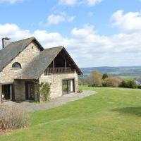 Cozy Holiday Home in Baneux with hilltop view