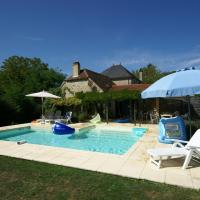 Cozy Holiday Home in Alvignac with a Private Pool