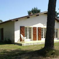 Splendid Holiday Home in Vielle-Saint-Girons with Garden