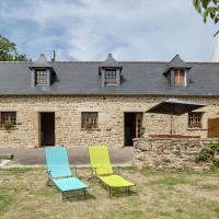 Spacious Holiday Home with Fenced Garden in Pont-Croix