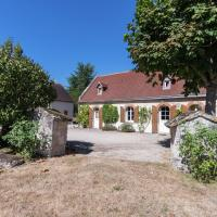 Luxe Holiday Home in Montrichard with Pool