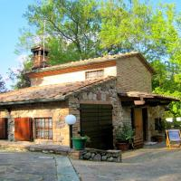 Cosy Cottage in Chiusdino with Garden