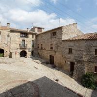 Cozy Castle in Montfalco Murallat with Garden
