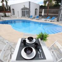 Corralejo Nora House with pool only 500m to sea