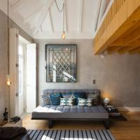 Gold & Grey Loft Almada