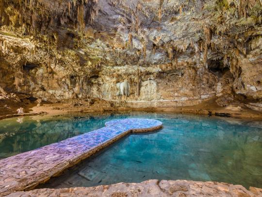 9 สระน้ำใต้ดินตามธรรมชาติ