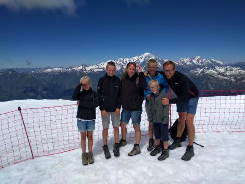 Everhard en Marjolein van Essen met onze vier kids Thijmen, Jetze, Lieke en Joas