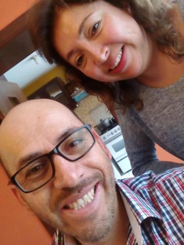 En la foto estamos mi esposa Mayte y yo.