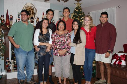 This is my family.  My name is Nilda.  I am in the middle.  Nice to meet you!