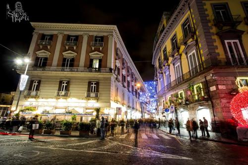 storico bar Gambrinus e via Chiaia