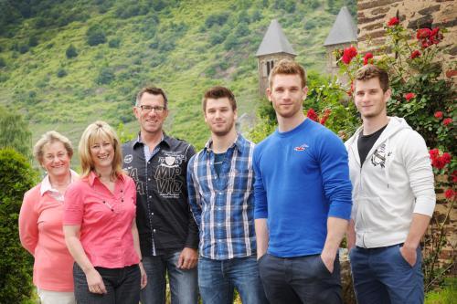 Familie Anke Beilstein mit Senior-Chefin Rita Andre