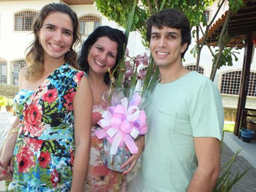 Clarissa, Neila e Fernando Torres