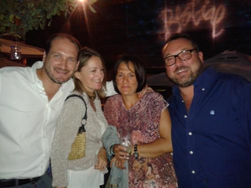 Barbara, Claudia, Alessio y Santi