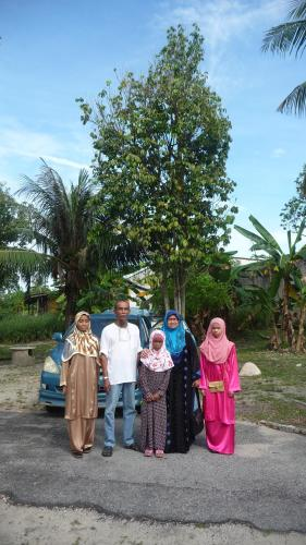 The family of Tahan Guest House