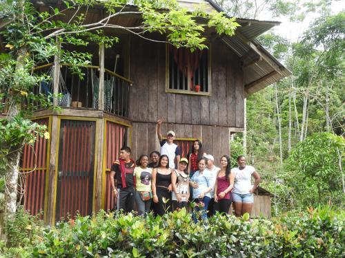 grupo estudiantes SENA en Huaca Huaca Hostel