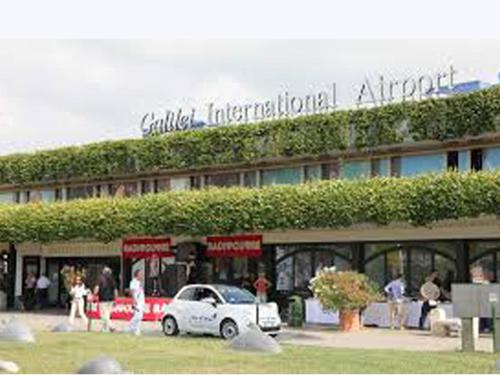 Casa Doina Airport