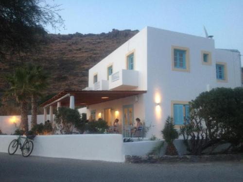 Oklacà Patmos Beach Rooms and Restaurant