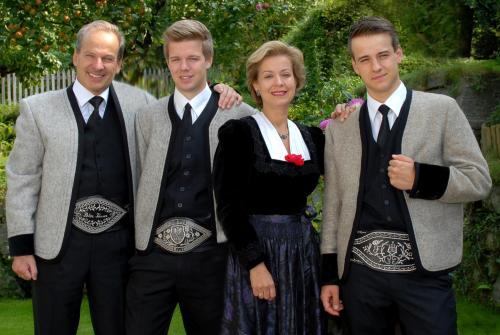 Familie Tasser