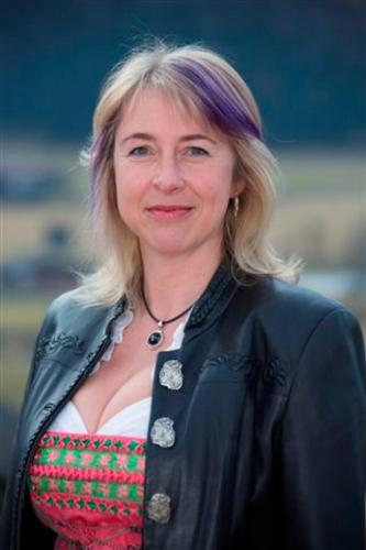 Elisabeth Nindl