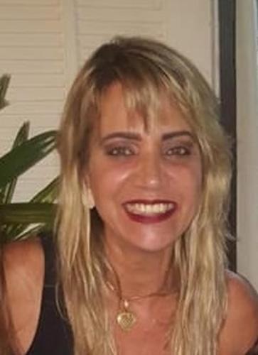 Sandra Ferrarezi