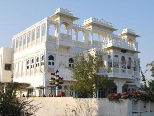 Gadh Ganesh Homestay