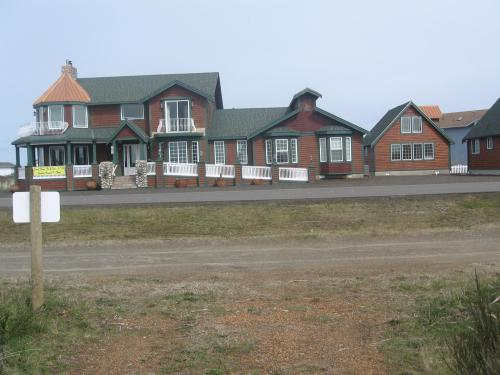 Collins Inn & Seaside Cottages